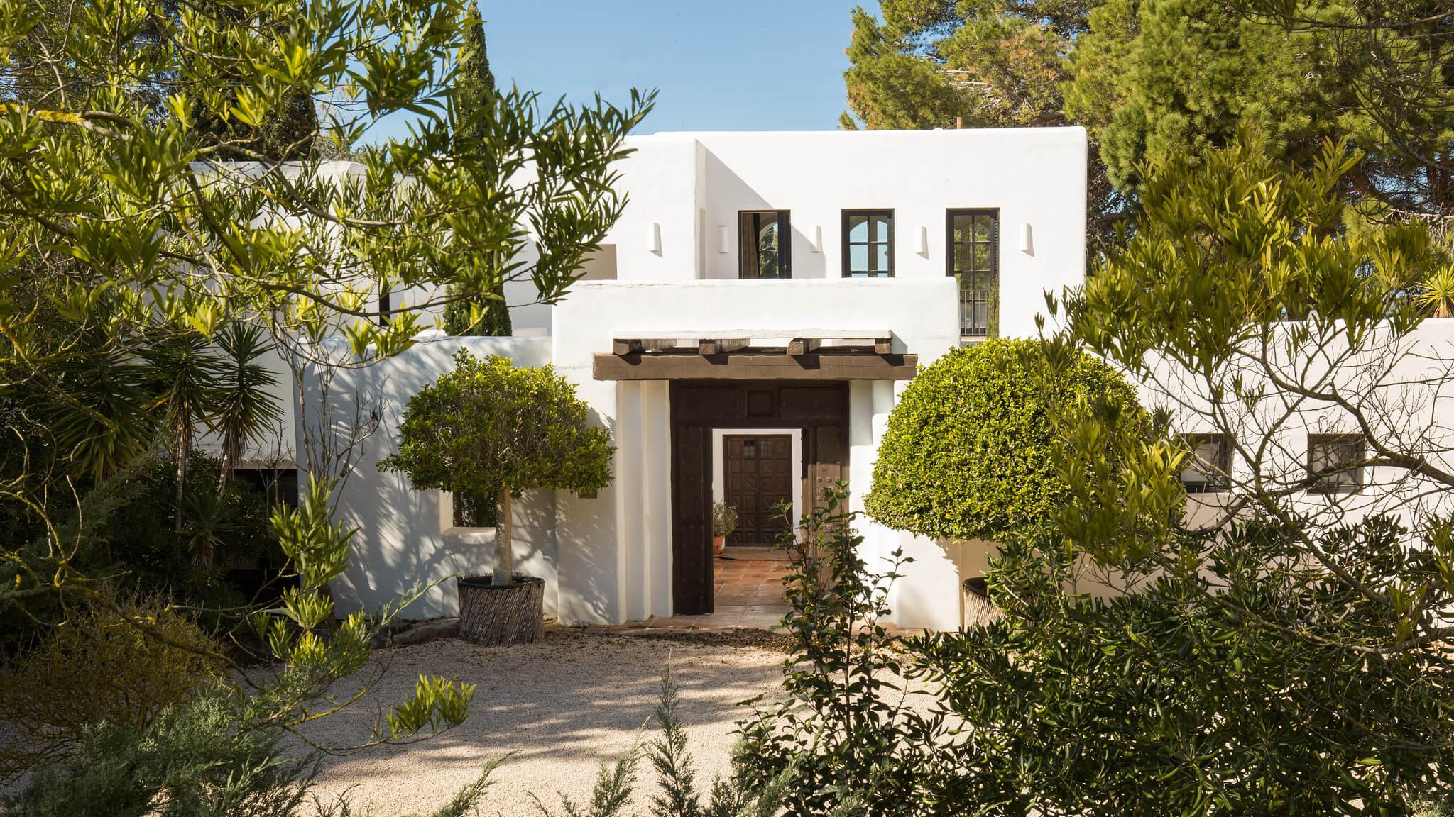 https://www.white-ibiza.com/wp-content/uploads/2020/05/white-ibiza-villas-can-amelida-exterior-house.jpg
