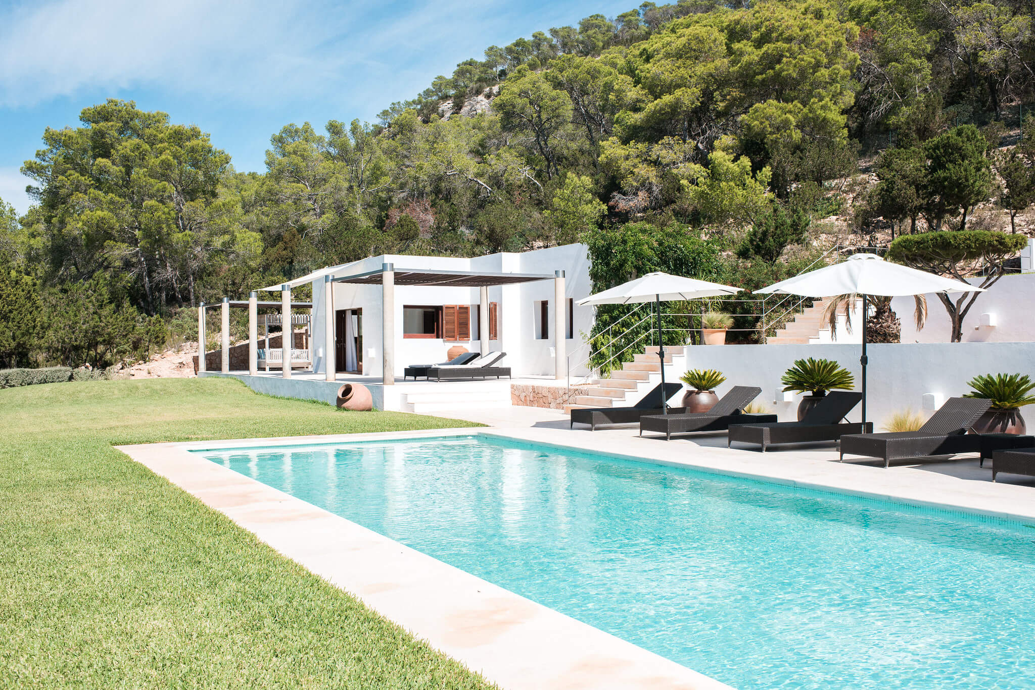 https://www.white-ibiza.com/wp-content/uploads/2020/05/white-ibiza-villas-can-ava-exterior1.jpg