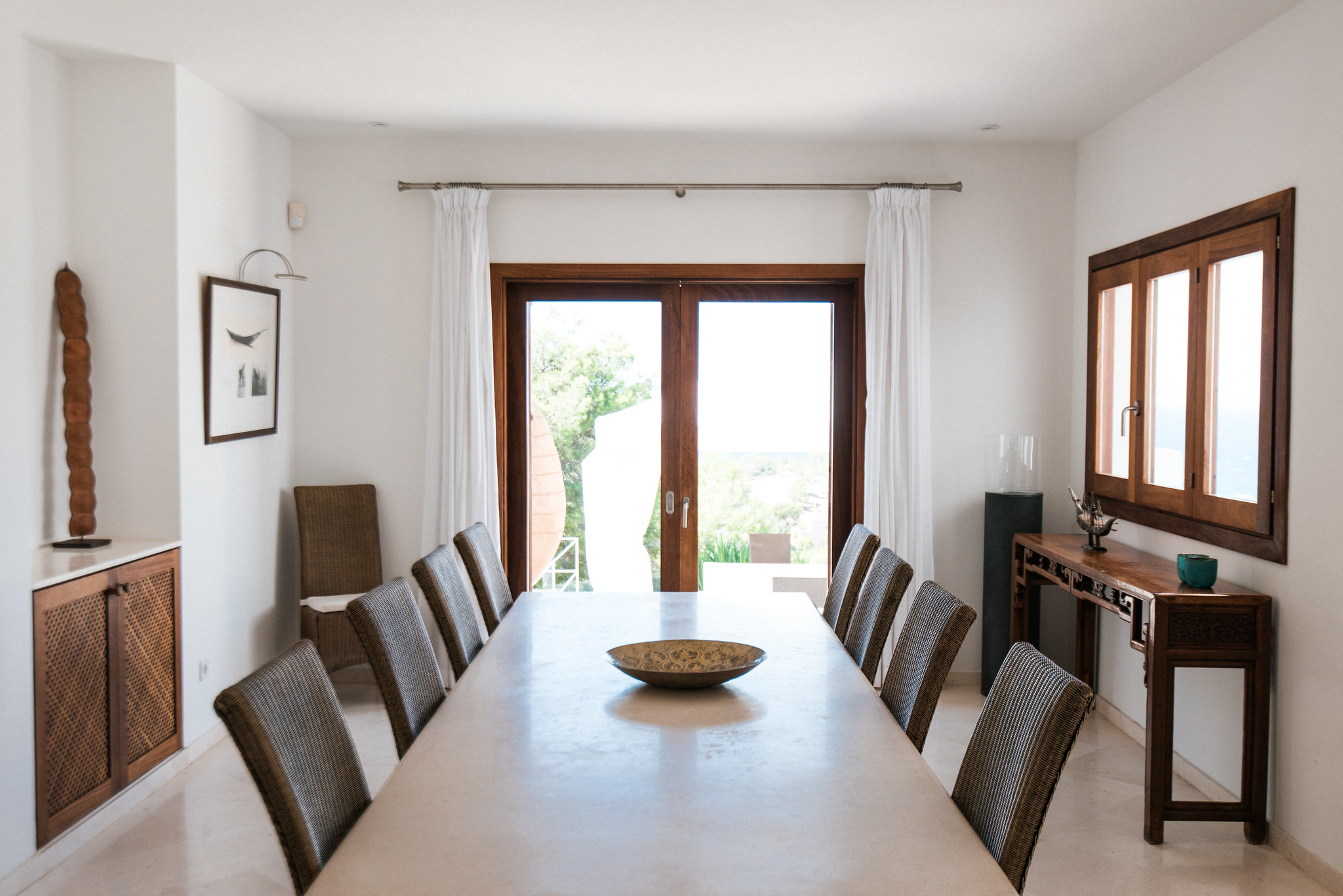 https://www.white-ibiza.com/wp-content/uploads/2020/05/white-ibiza-villas-can-ava-inside-dining.jpg