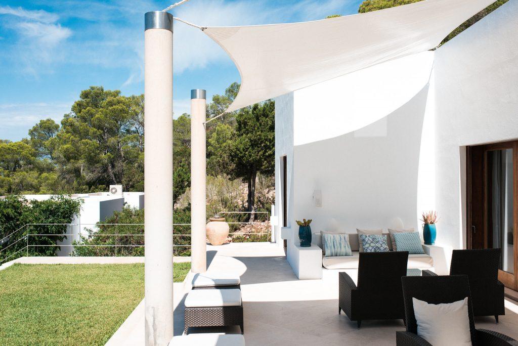 white-ibiza-villas-can-ava-outside-seating