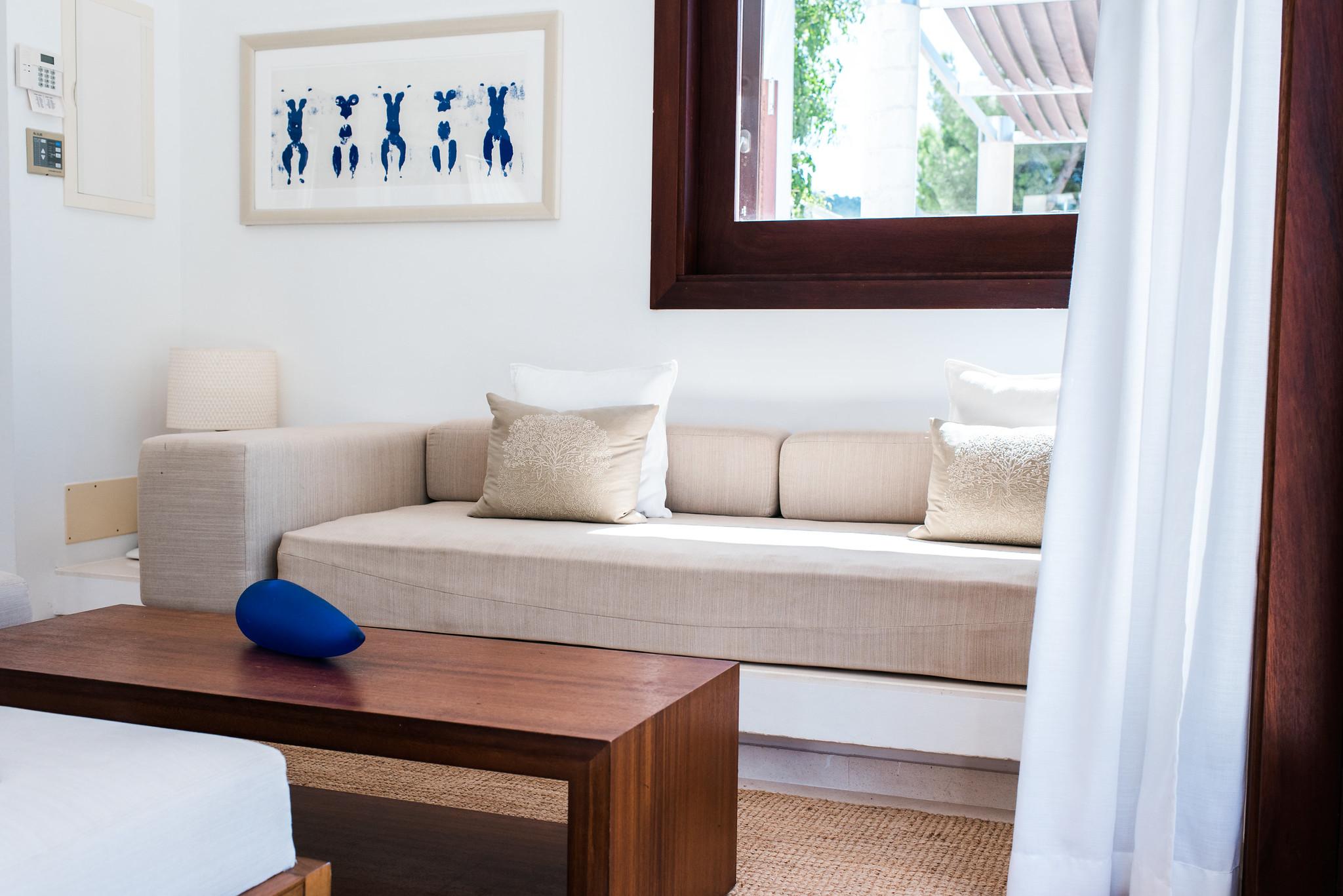 https://www.white-ibiza.com/wp-content/uploads/2020/05/white-ibiza-villas-can-ava-tv-room.jpg