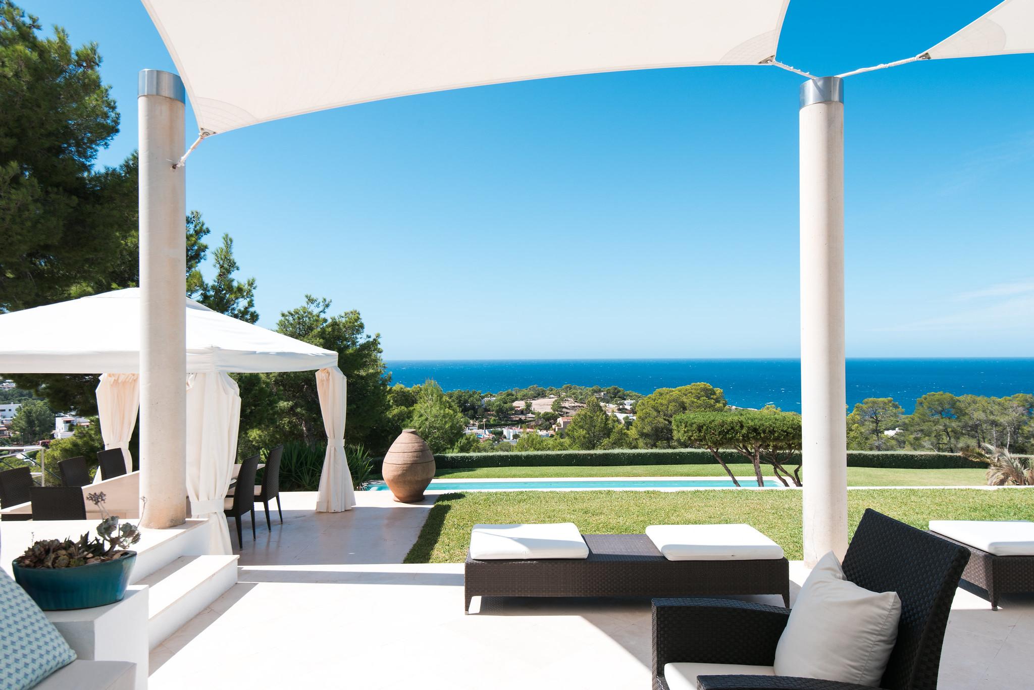 https://www.white-ibiza.com/wp-content/uploads/2020/05/white-ibiza-villas-can-ava-view1.jpg