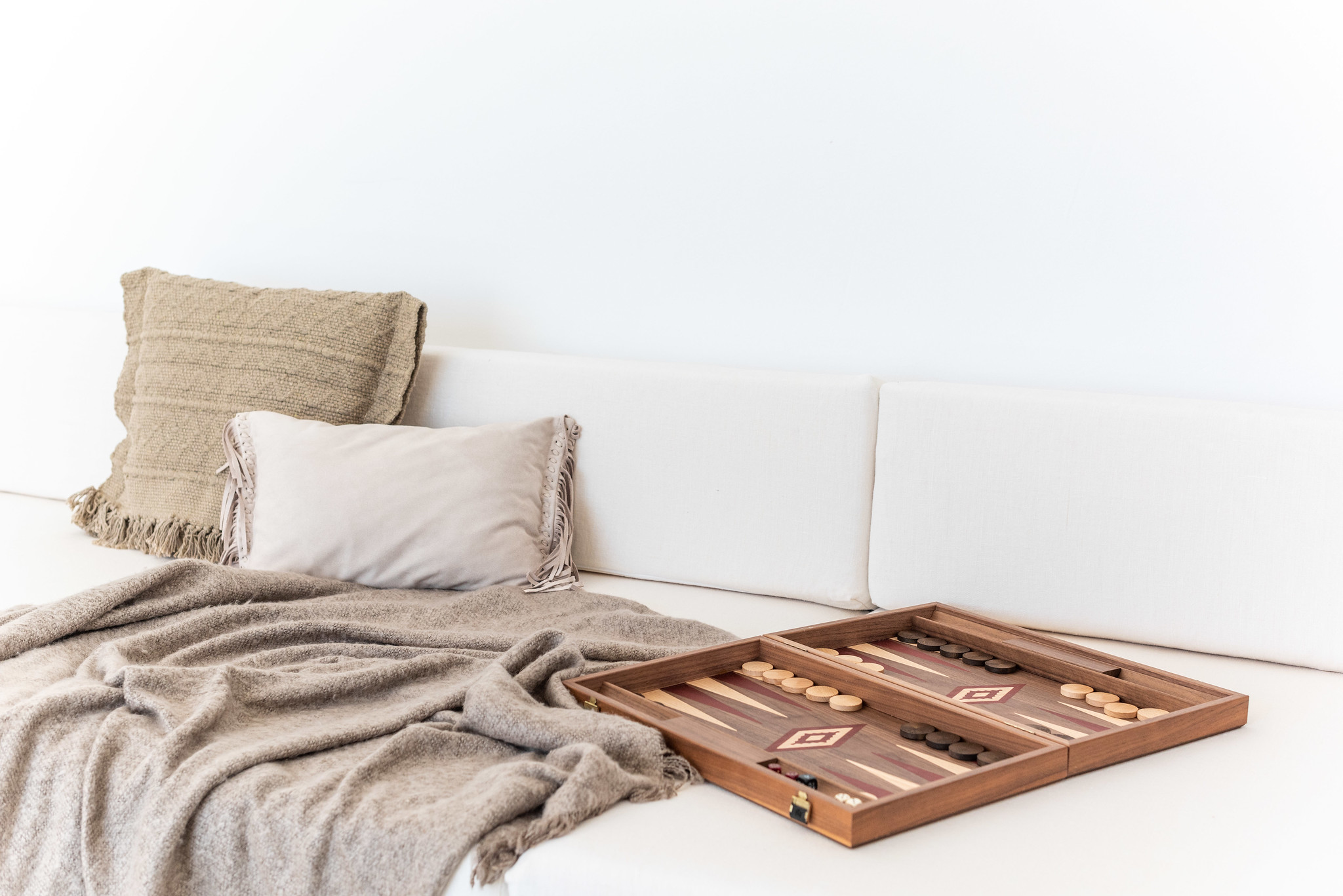 https://www.white-ibiza.com/wp-content/uploads/2020/05/white-ibiza-villas-can-cactus-backgammon.jpg