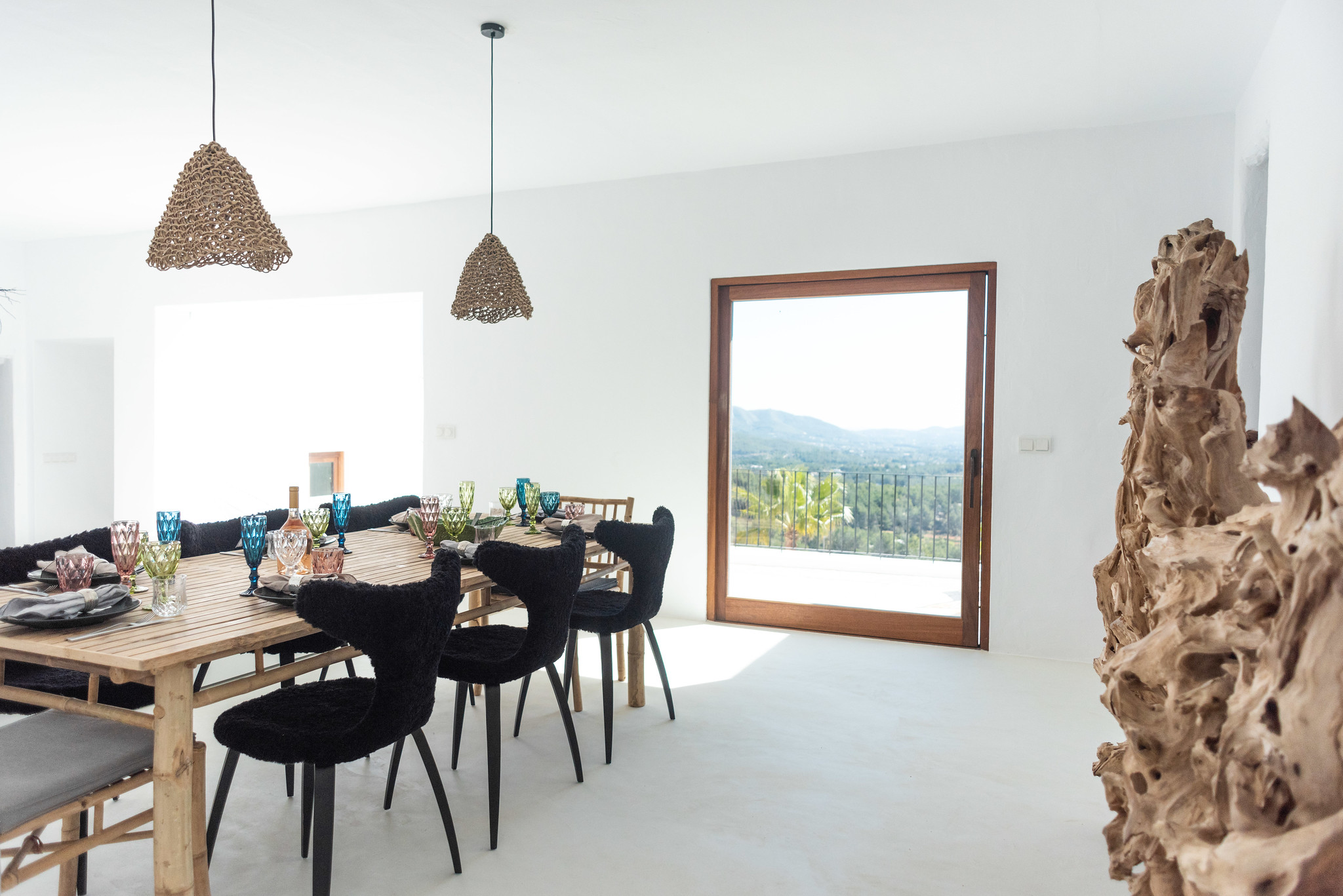 https://www.white-ibiza.com/wp-content/uploads/2020/05/white-ibiza-villas-can-cactus-front-door-view.jpg