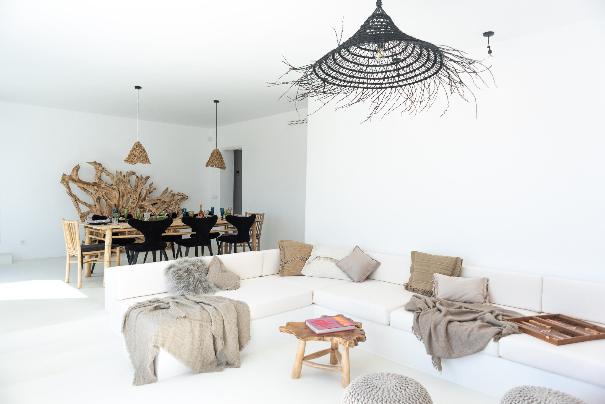 https://www.white-ibiza.com/wp-content/uploads/2020/05/white-ibiza-villas-can-cactus-living-room.jpg
