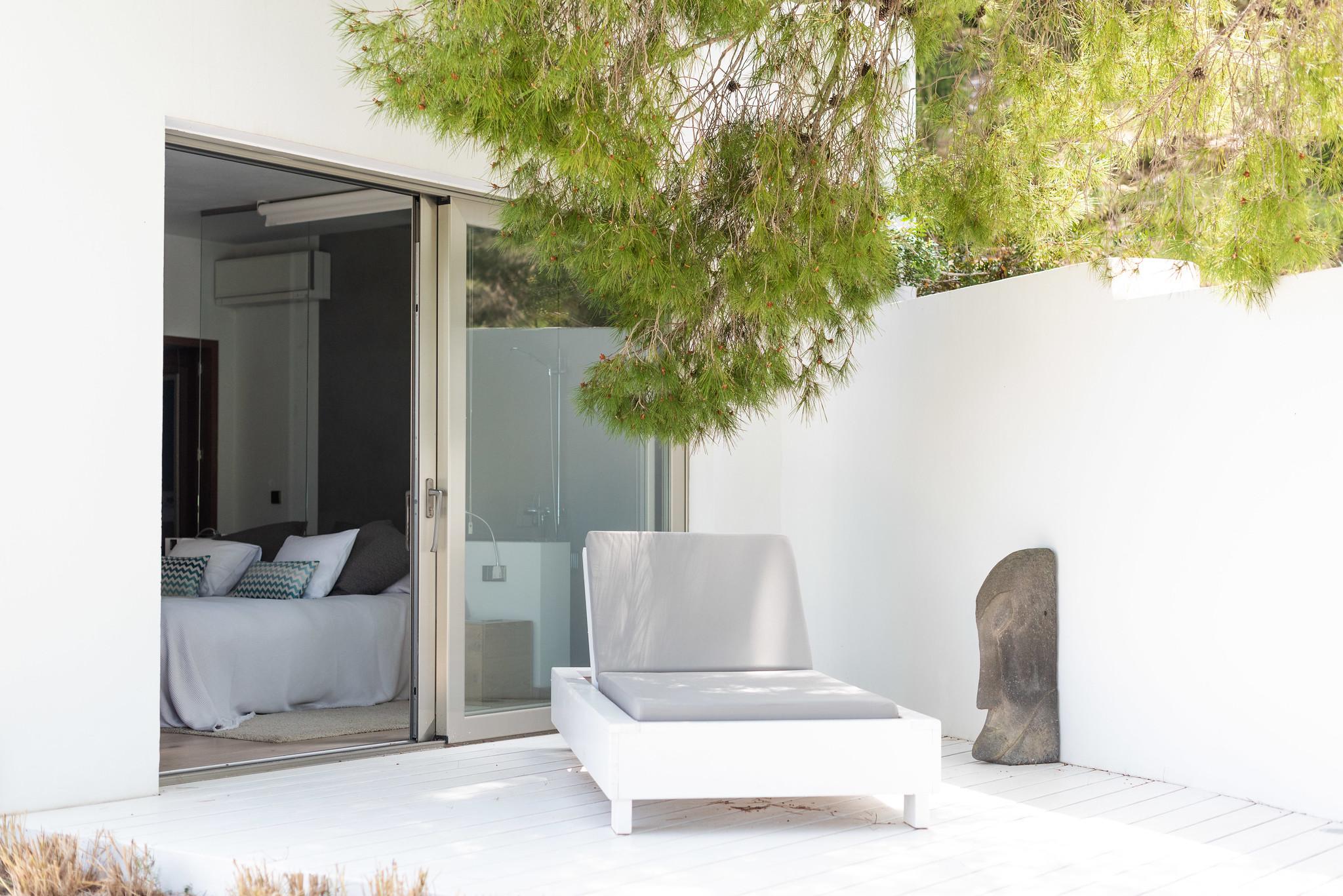 https://www.white-ibiza.com/wp-content/uploads/2020/05/white-ibiza-villas-can-dela-shaded-chill.jpg