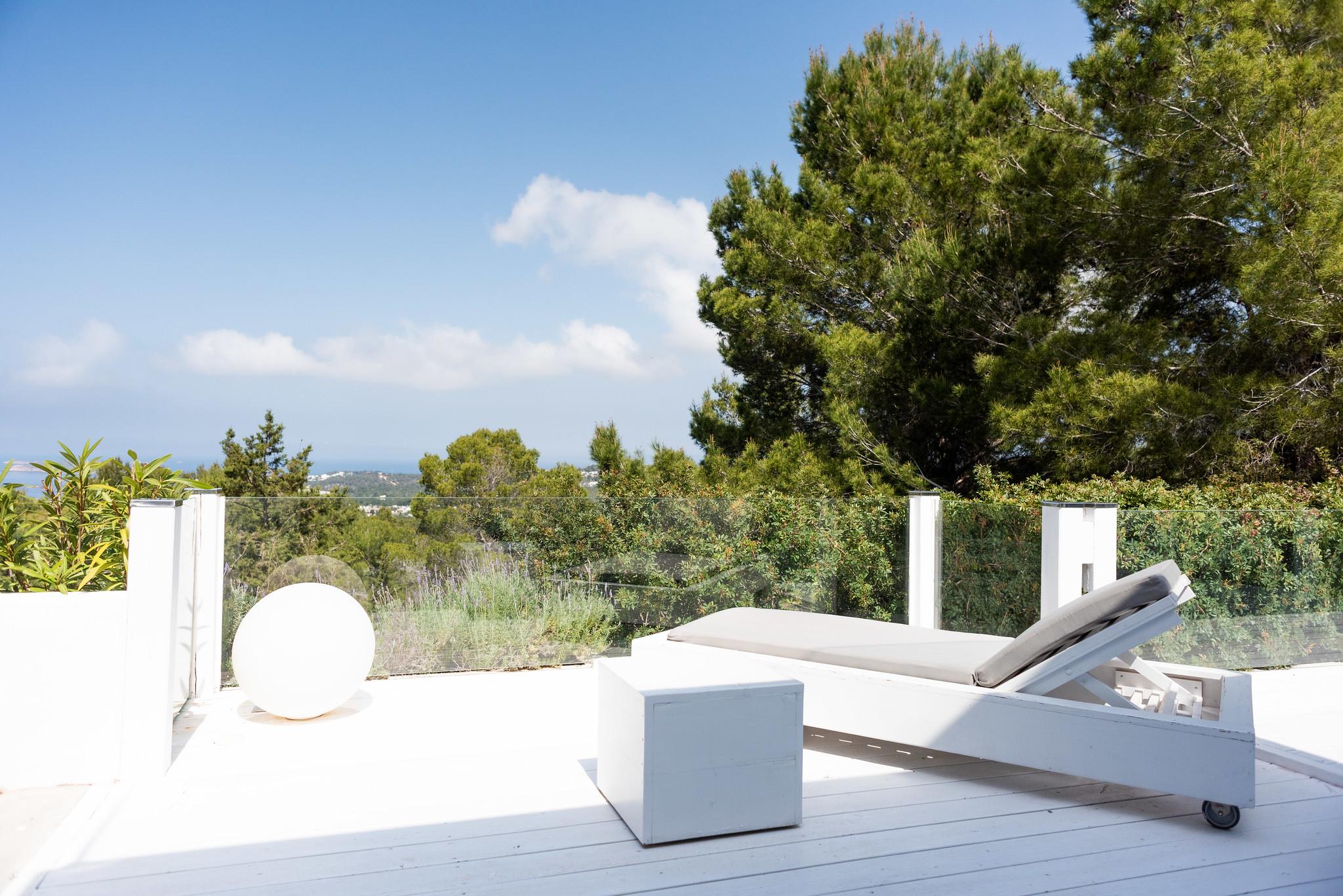 https://www.white-ibiza.com/wp-content/uploads/2020/05/white-ibiza-villas-can-dela-sunspot.jpg