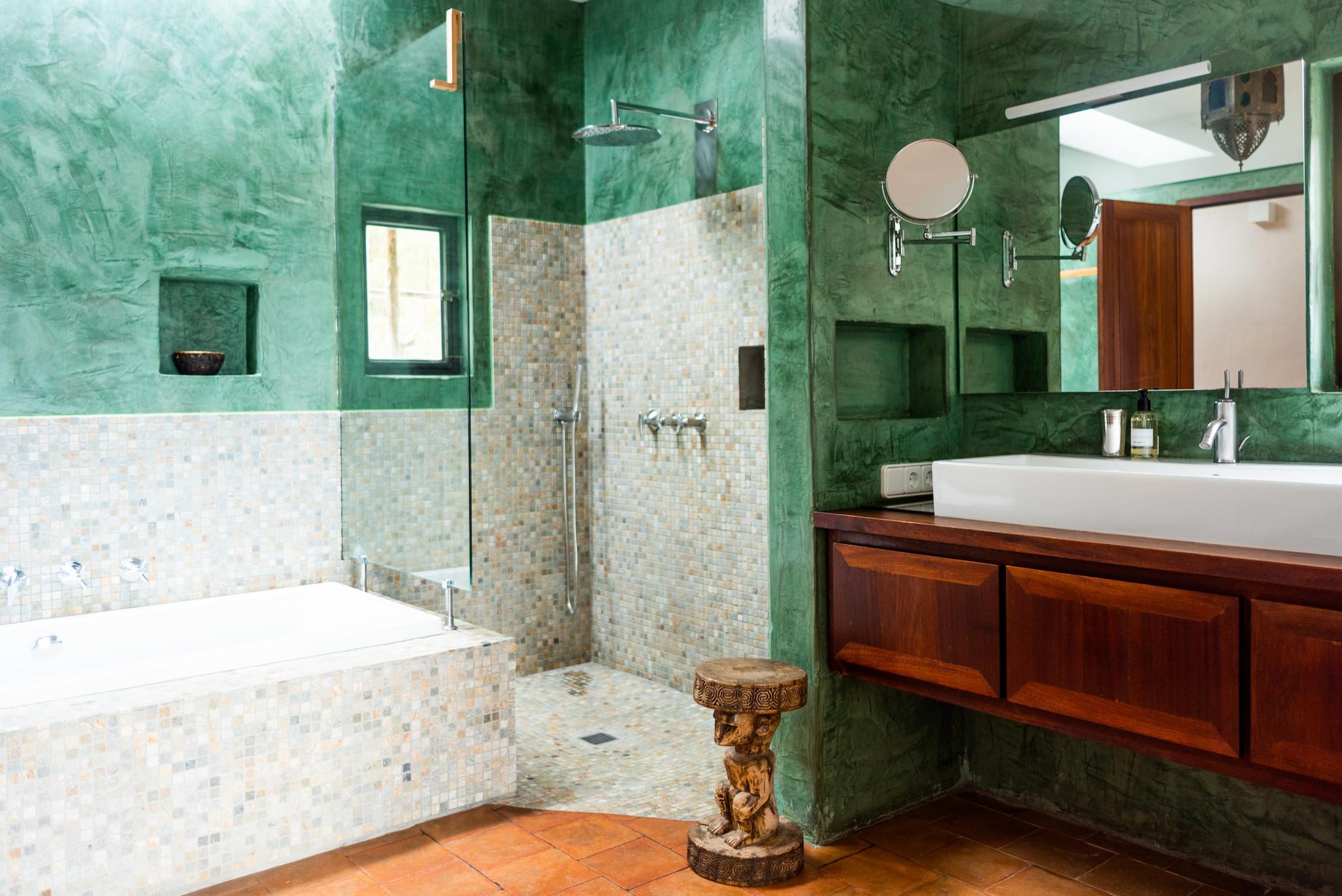https://www.white-ibiza.com/wp-content/uploads/2020/05/white-ibiza-villas-can-lyra-bathroom.jpg
