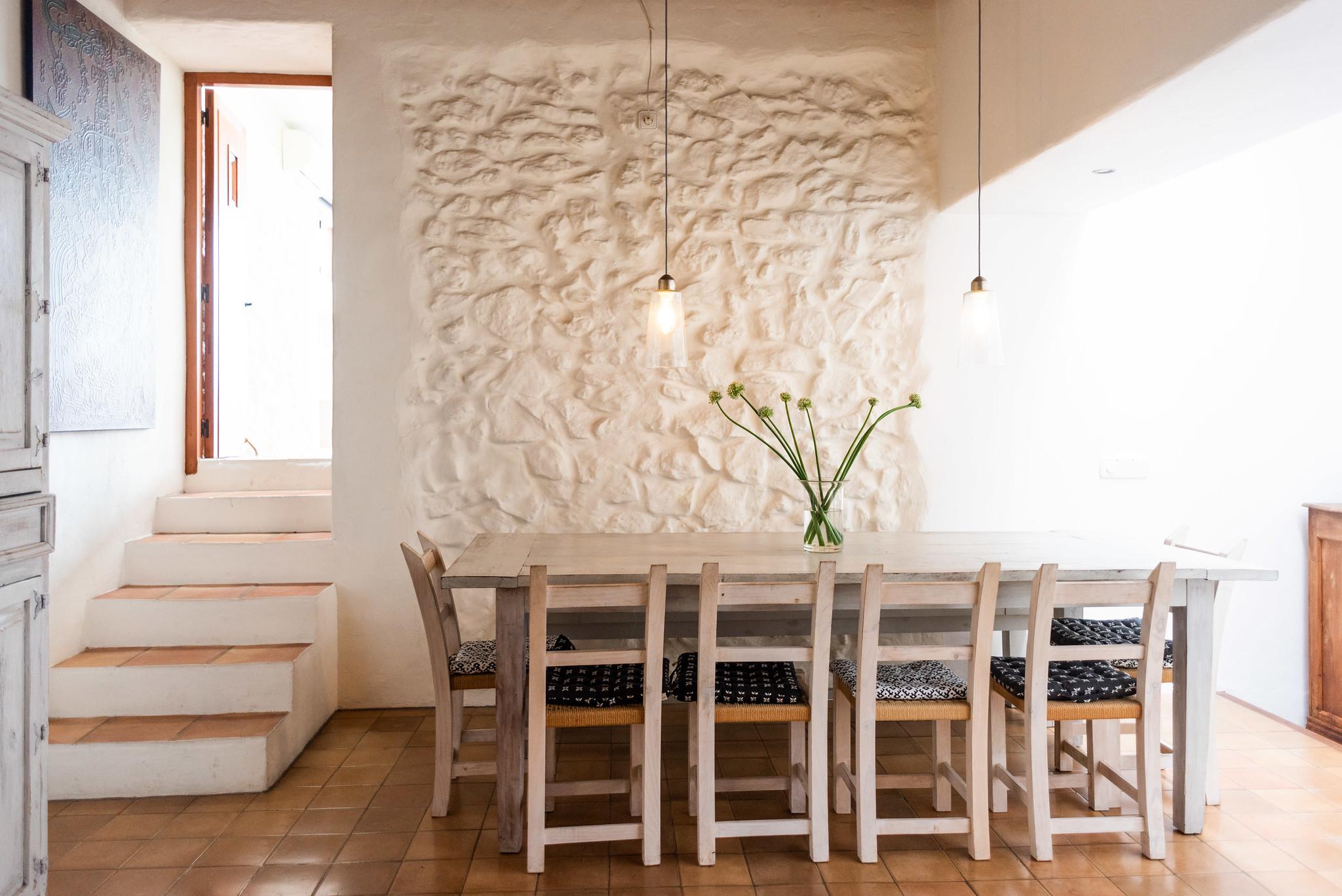 https://www.white-ibiza.com/wp-content/uploads/2020/05/white-ibiza-villas-can-lyra-breakfast.jpg