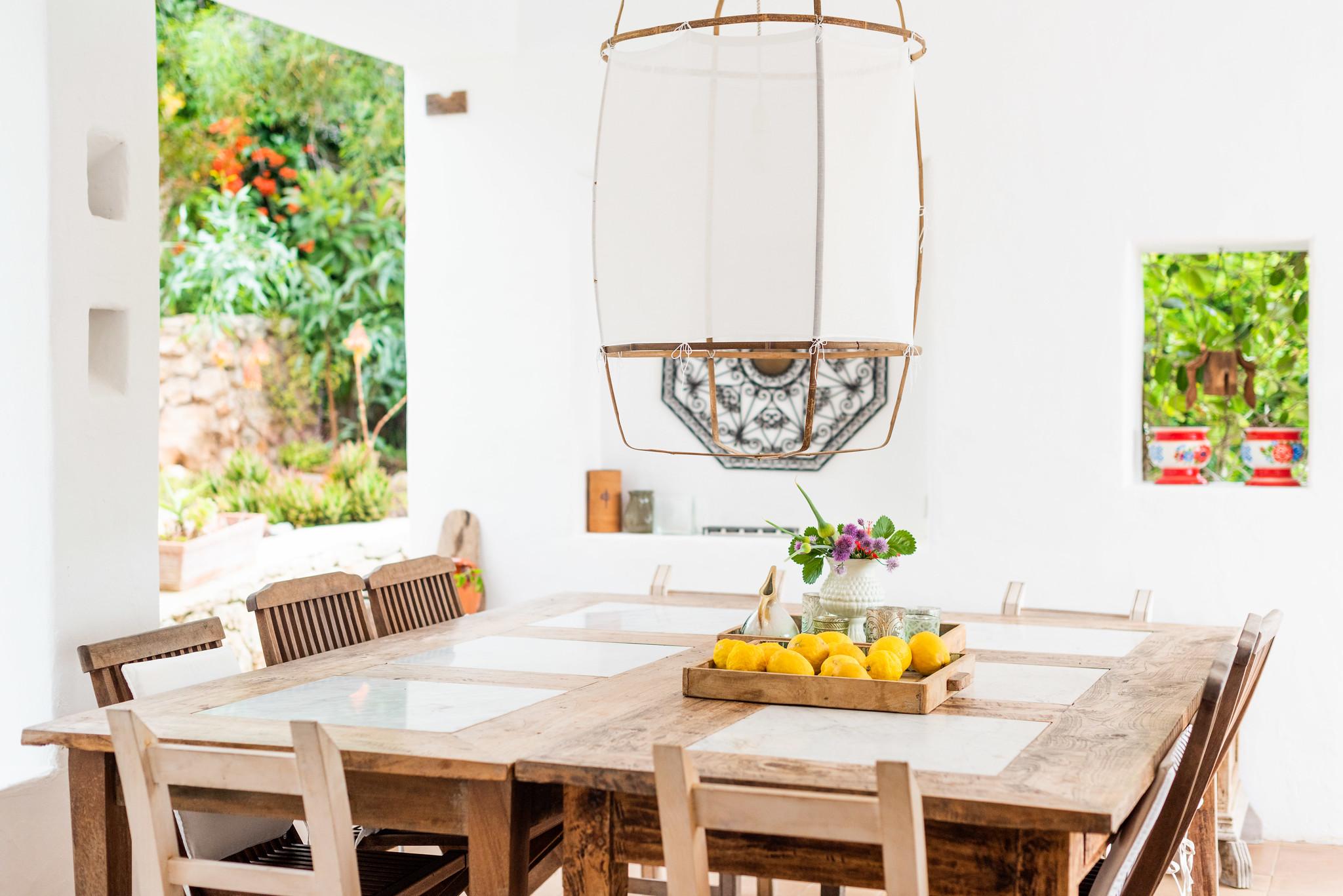 https://www.white-ibiza.com/wp-content/uploads/2020/05/white-ibiza-villas-can-lyra-dining.jpg