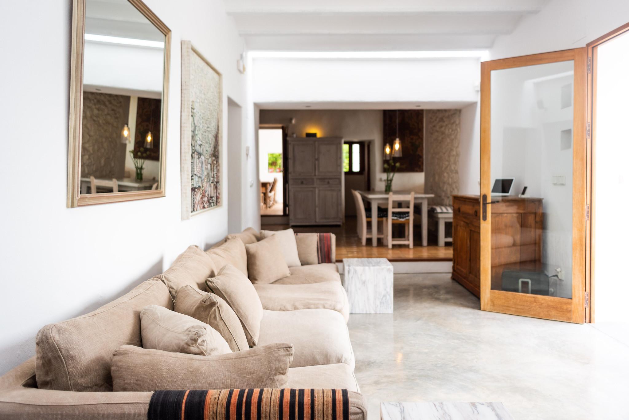 https://www.white-ibiza.com/wp-content/uploads/2020/05/white-ibiza-villas-can-lyra-interior-living-room.jpg