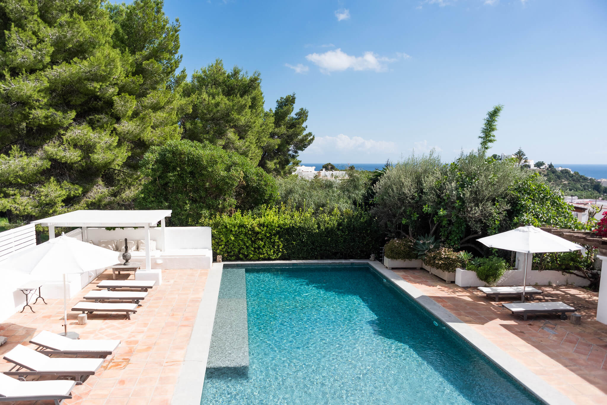https://www.white-ibiza.com/wp-content/uploads/2020/05/white-ibiza-villas-can-lyra-pool-views.jpg