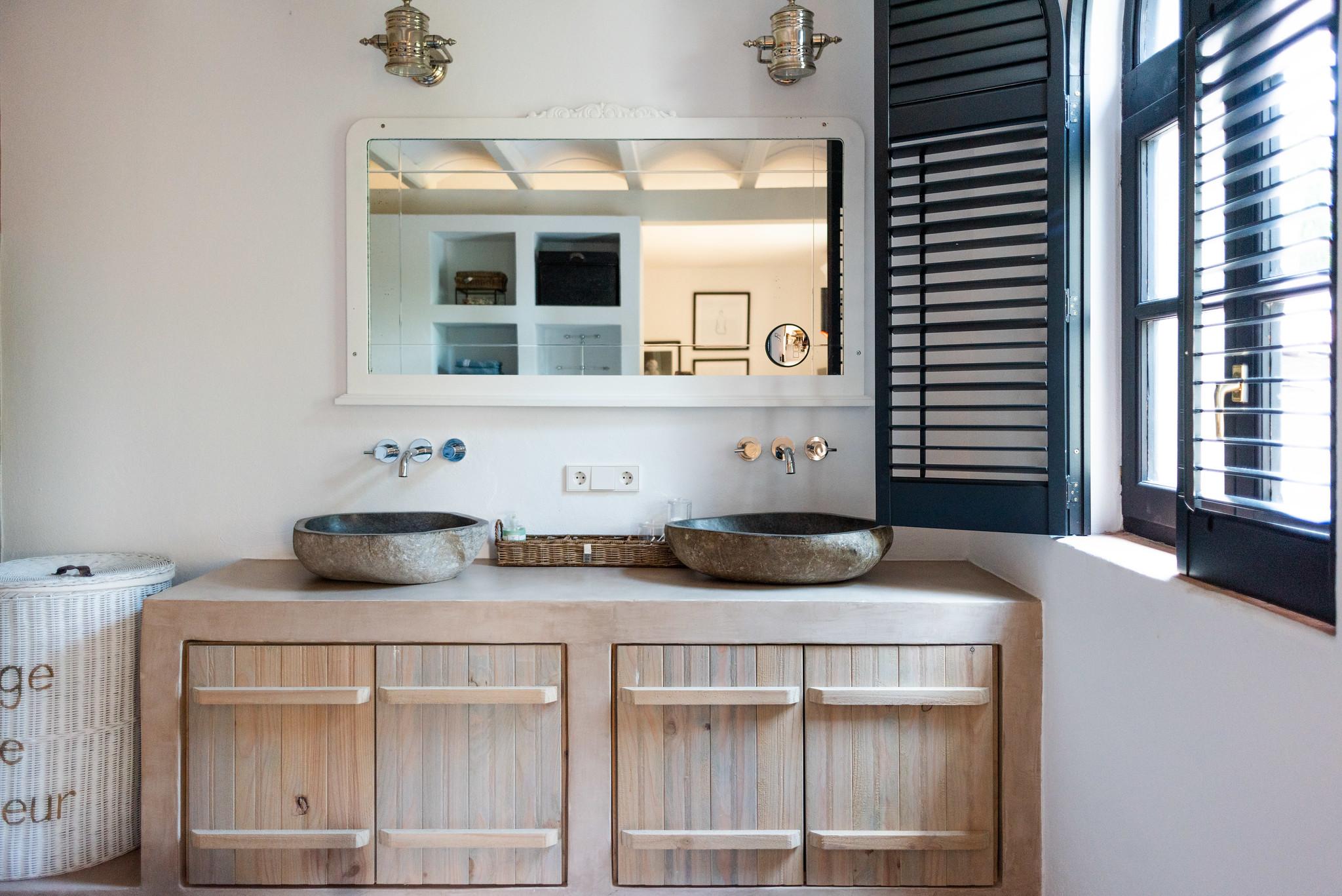 https://www.white-ibiza.com/wp-content/uploads/2020/05/white-ibiza-villas-can-riviere-interior-bathroom.jpg