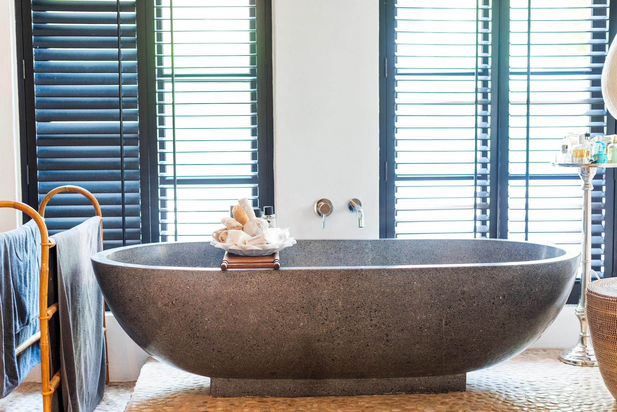 https://www.white-ibiza.com/wp-content/uploads/2020/05/white-ibiza-villas-can-riviere-interior-bathroom3.jpg