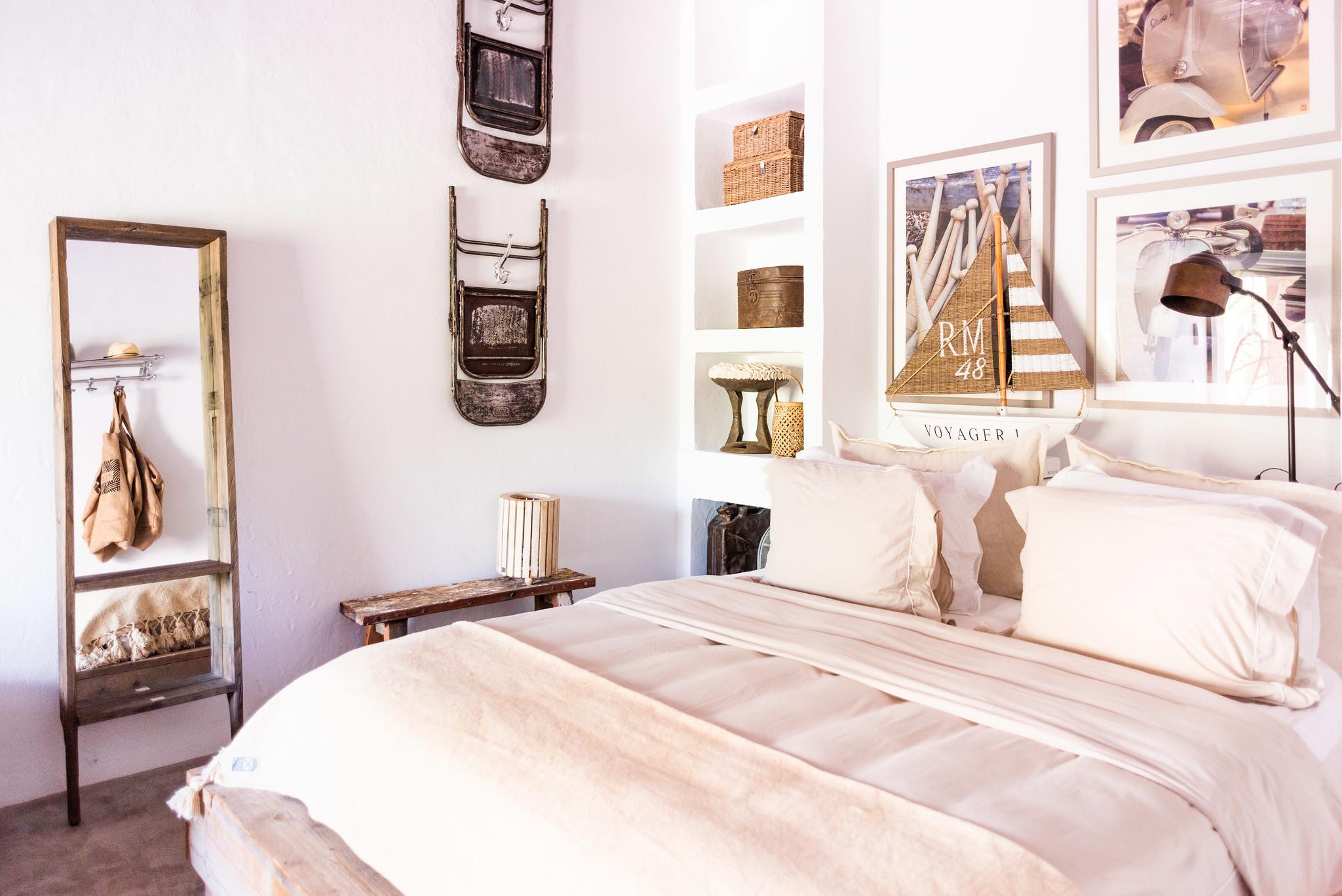 https://www.white-ibiza.com/wp-content/uploads/2020/05/white-ibiza-villas-can-riviere-interior-bedroom2.jpg