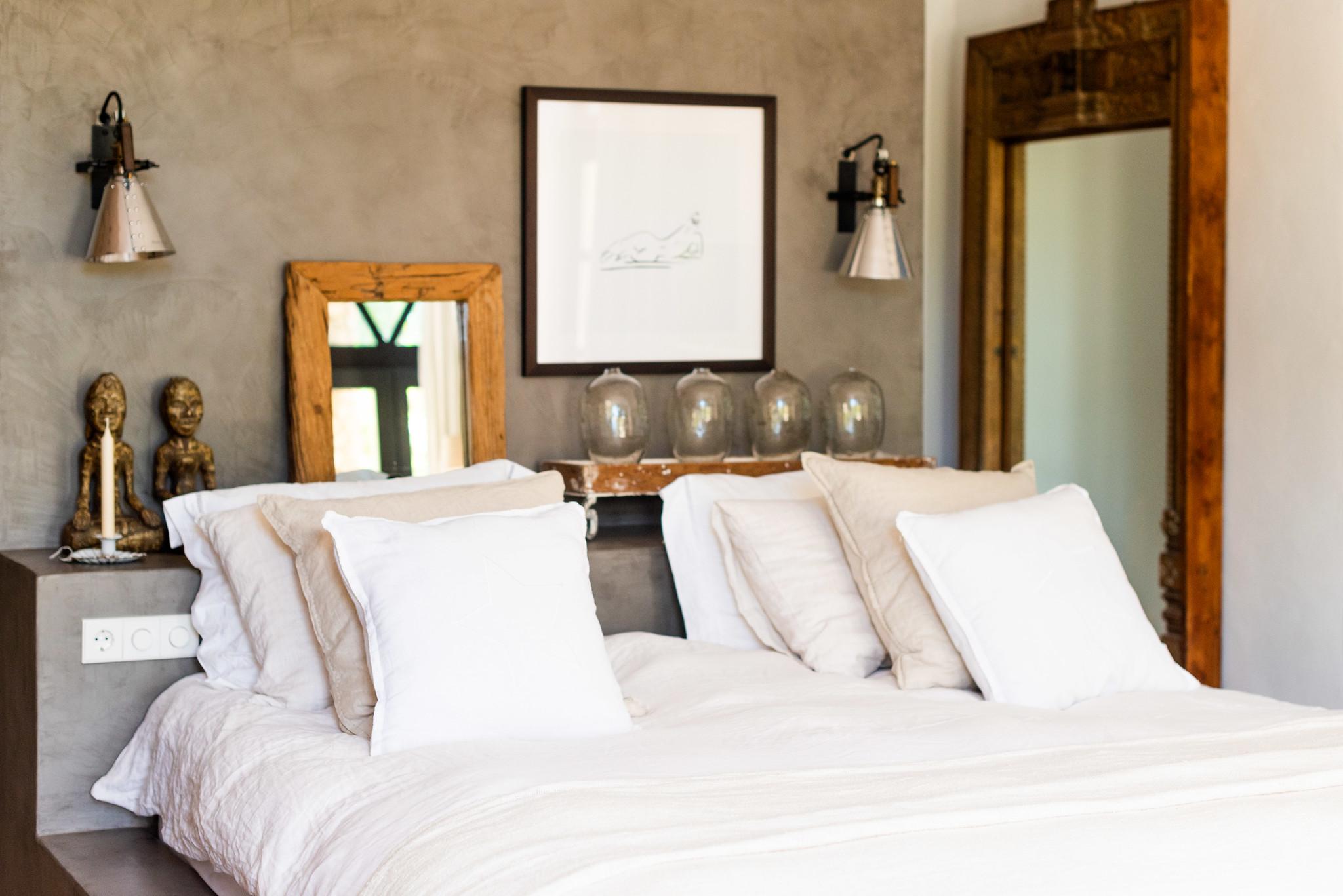 https://www.white-ibiza.com/wp-content/uploads/2020/05/white-ibiza-villas-can-riviere-interior-bedroom4.jpg