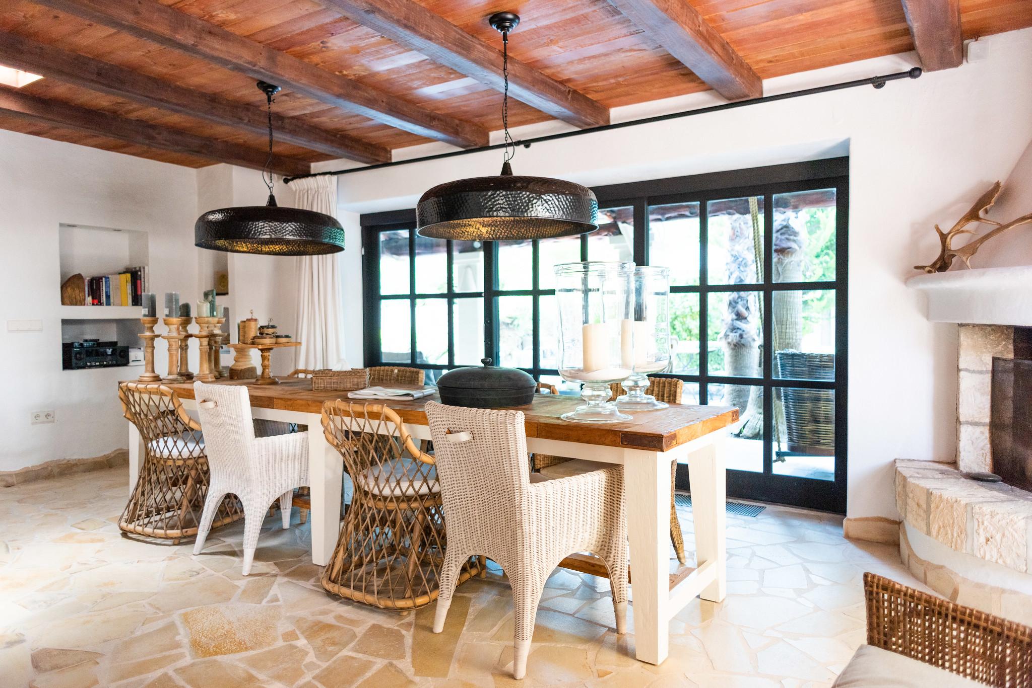 https://www.white-ibiza.com/wp-content/uploads/2020/05/white-ibiza-villas-can-riviere-interior-dining.jpg