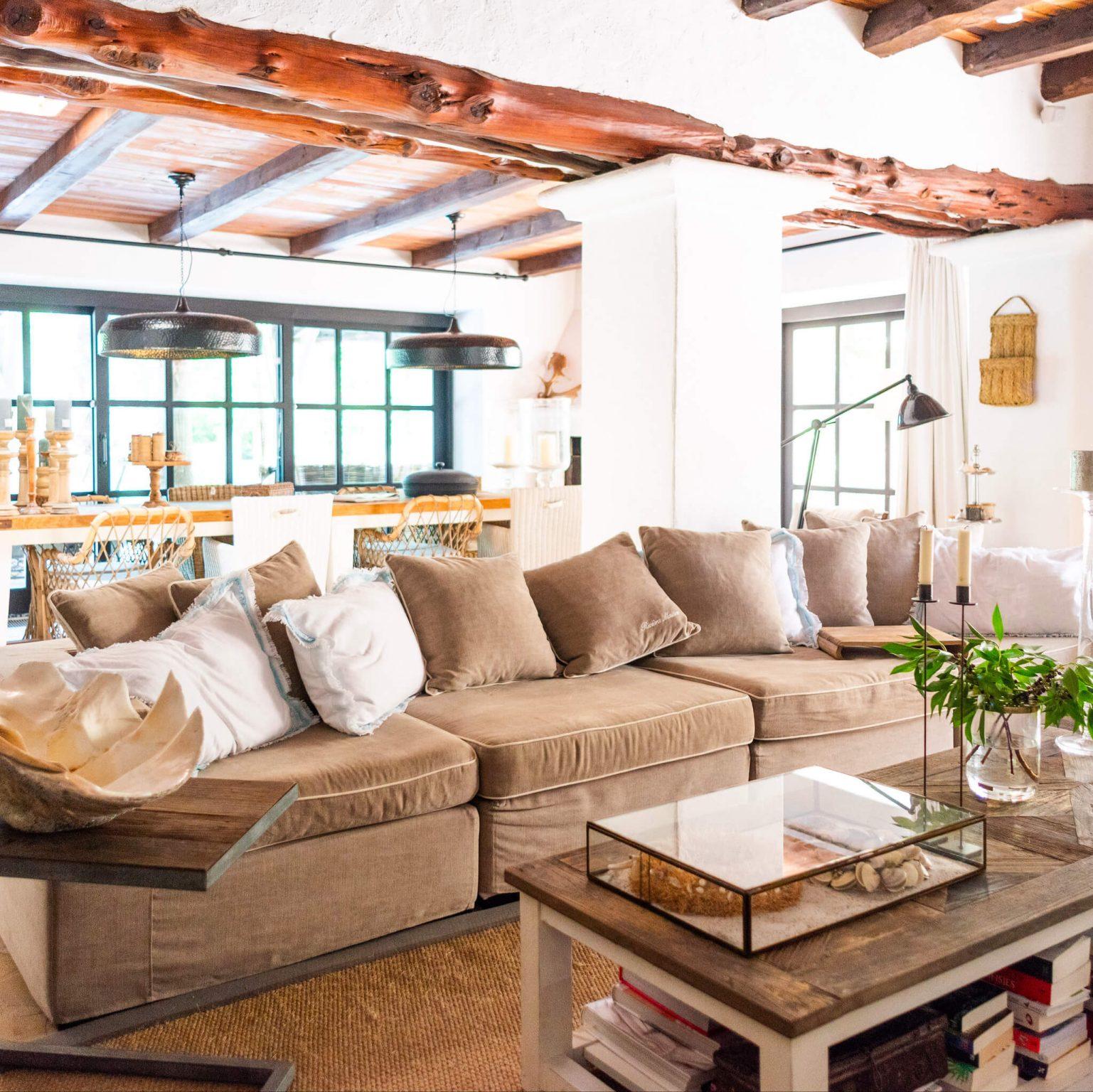 https://www.white-ibiza.com/wp-content/uploads/2020/05/white-ibiza-villas-can-riviere-interior-living-room-1537x1536.jpg