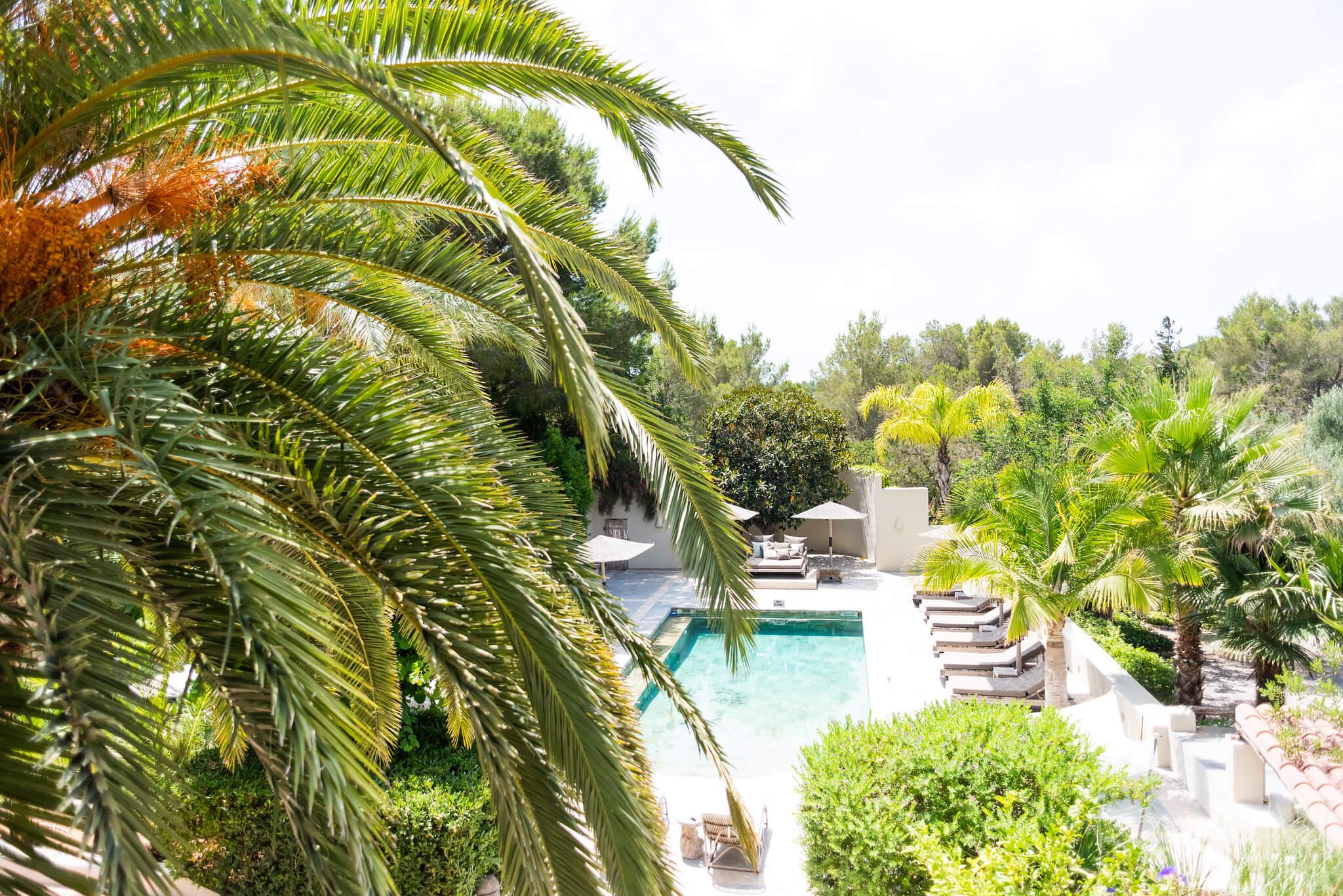 https://www.white-ibiza.com/wp-content/uploads/2020/05/white-ibiza-villas-can-riviere-interior-view-from-master.jpg