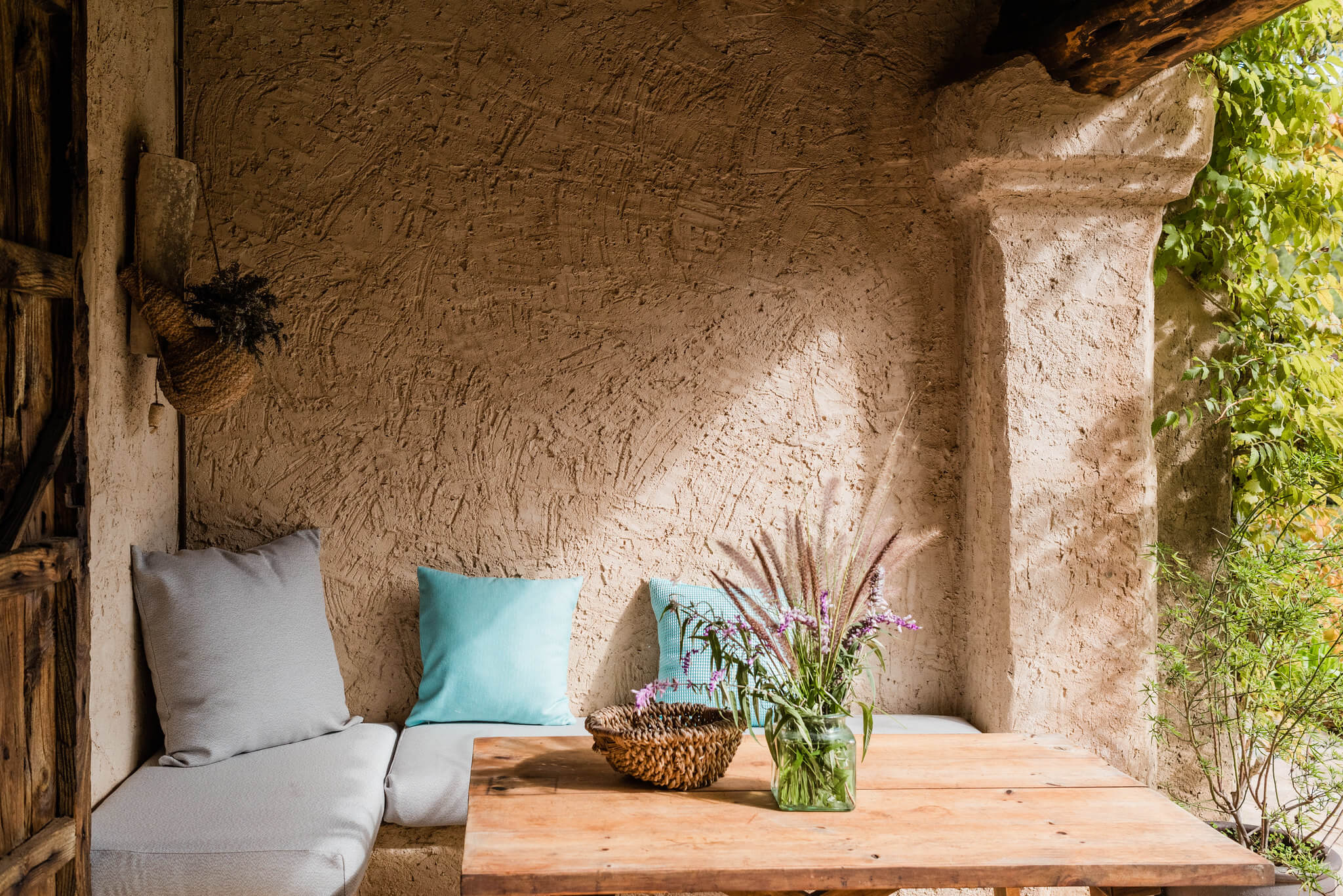 https://www.white-ibiza.com/wp-content/uploads/2020/05/white-ibiza-villas-can-sabina-exterior-shaded-terrace.jpg