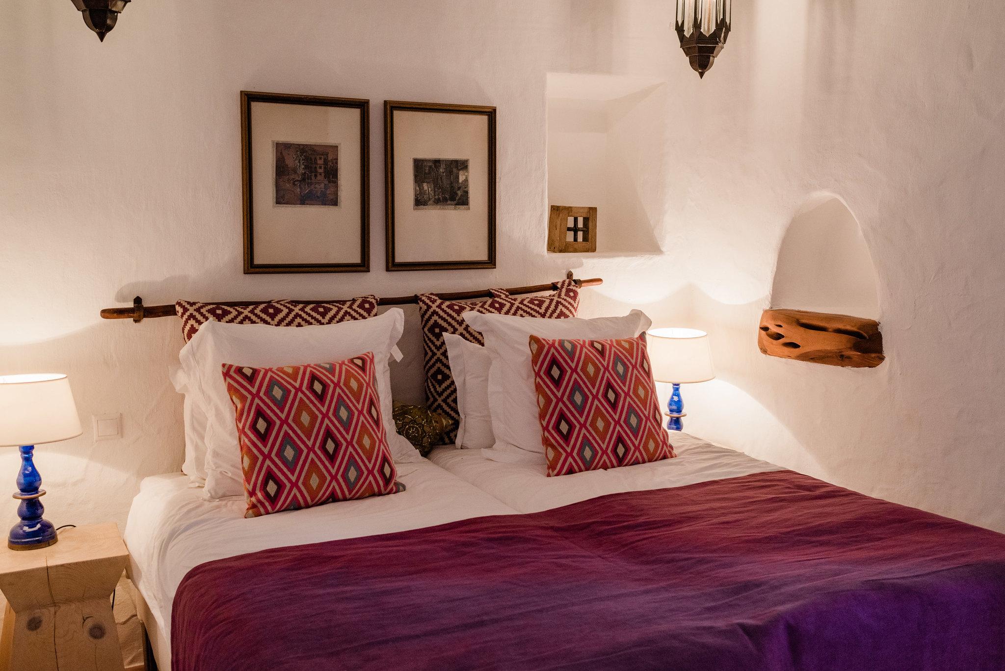 https://www.white-ibiza.com/wp-content/uploads/2020/05/white-ibiza-villas-can-sabina-interior-bedroom7.jpg
