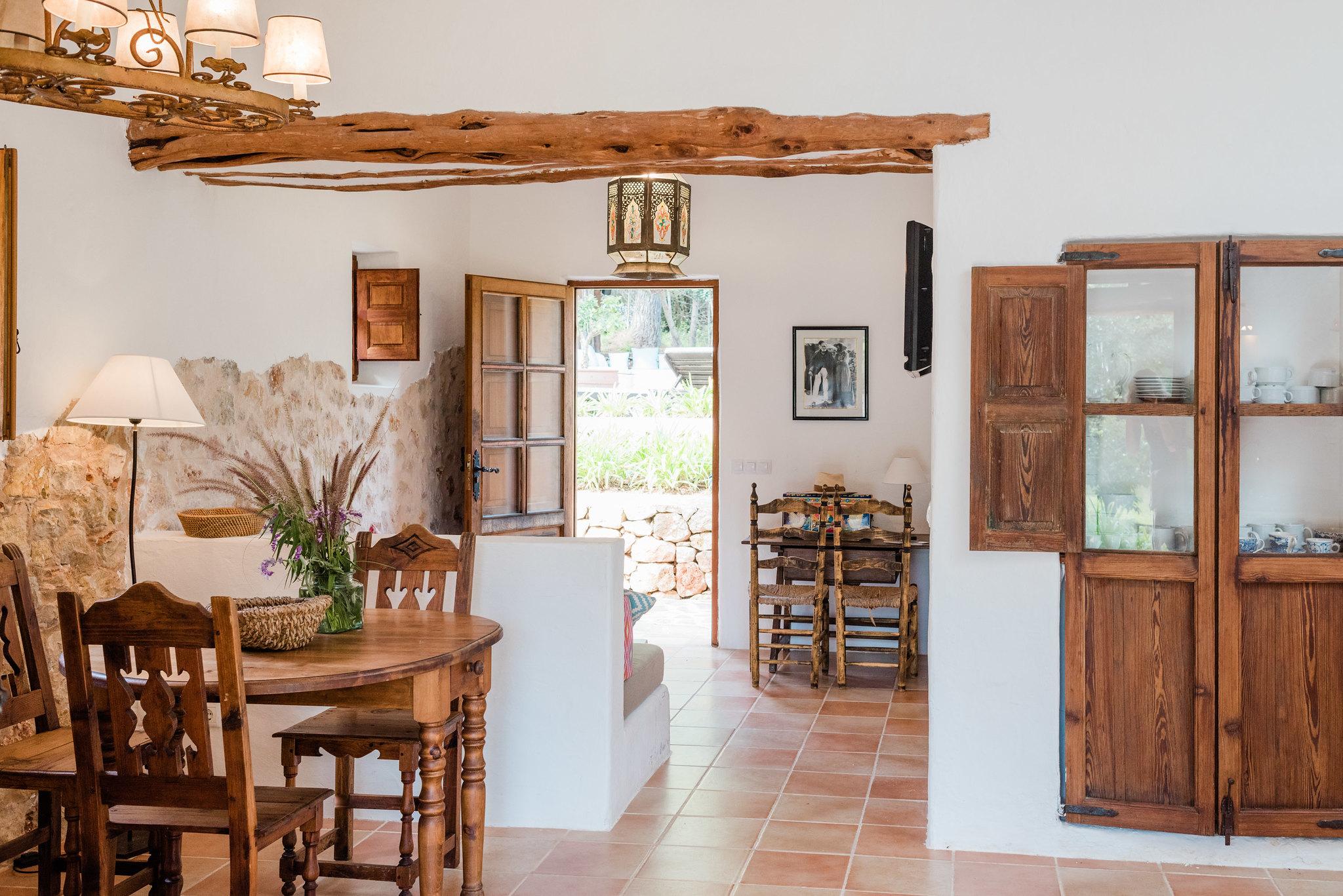 https://www.white-ibiza.com/wp-content/uploads/2020/05/white-ibiza-villas-can-sabina-interior.jpg