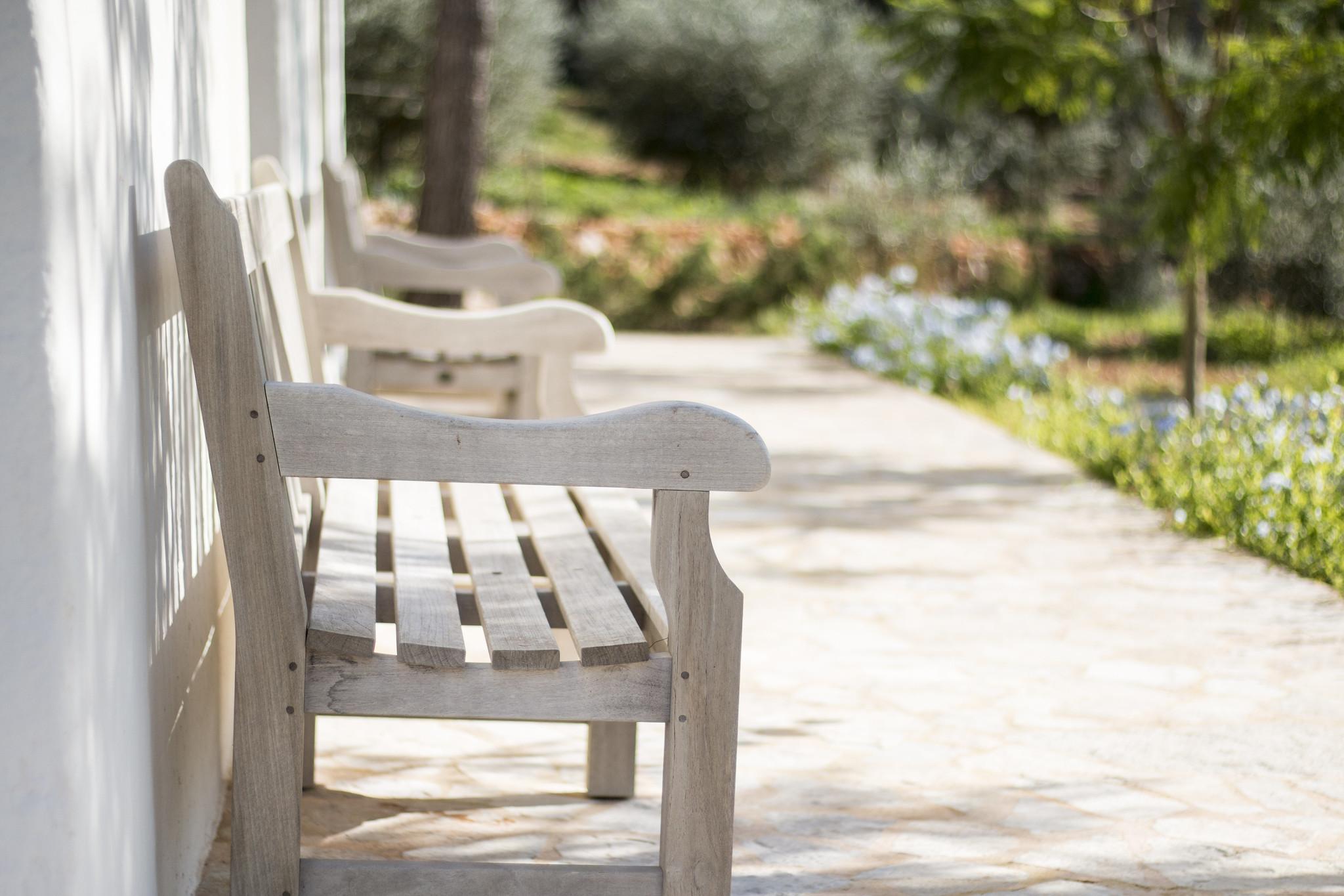 https://www.white-ibiza.com/wp-content/uploads/2020/05/white-ibiza-villas-can-terra-bench.jpg