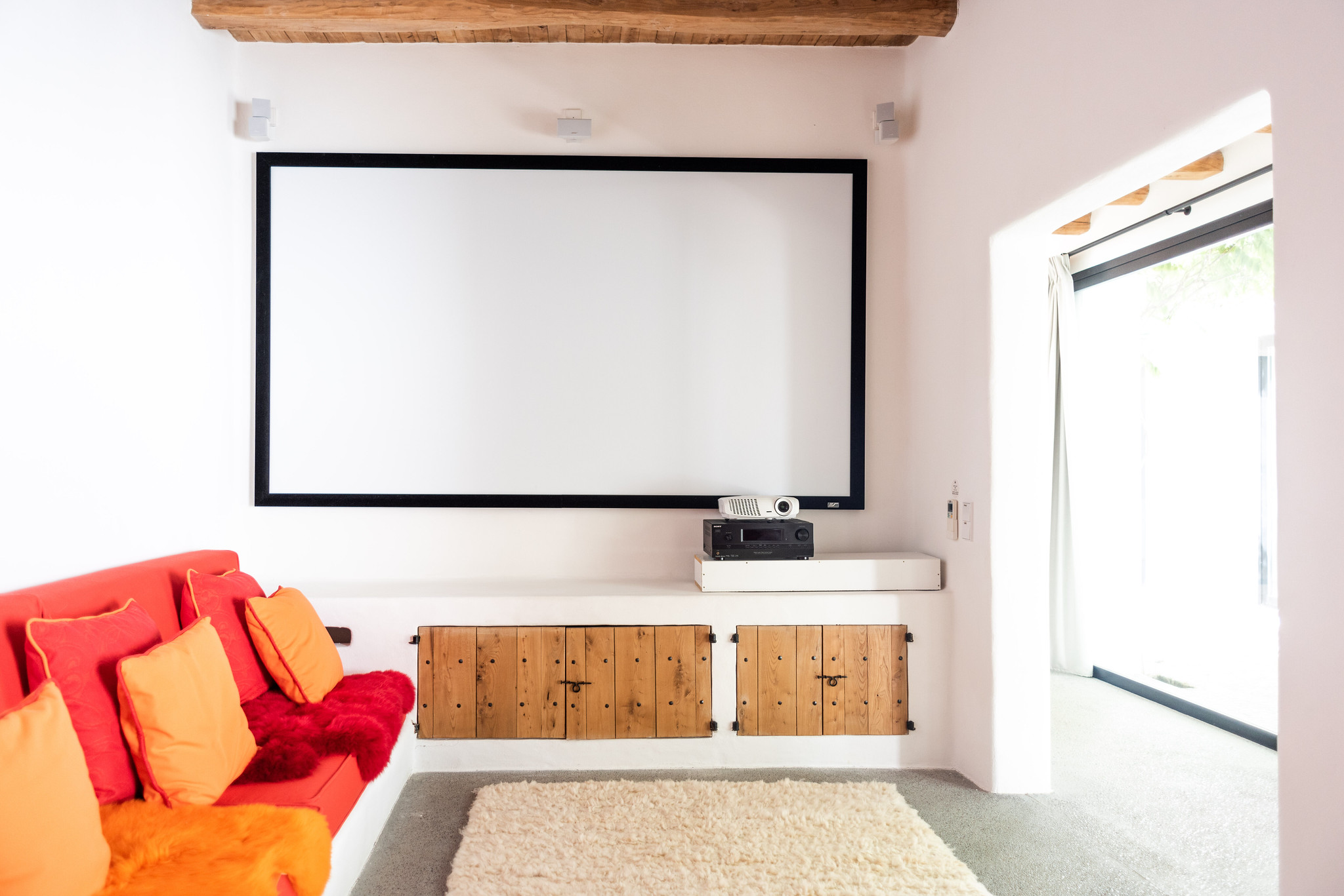 https://www.white-ibiza.com/wp-content/uploads/2020/05/white-ibiza-villas-can-terra-cinema-room.jpg