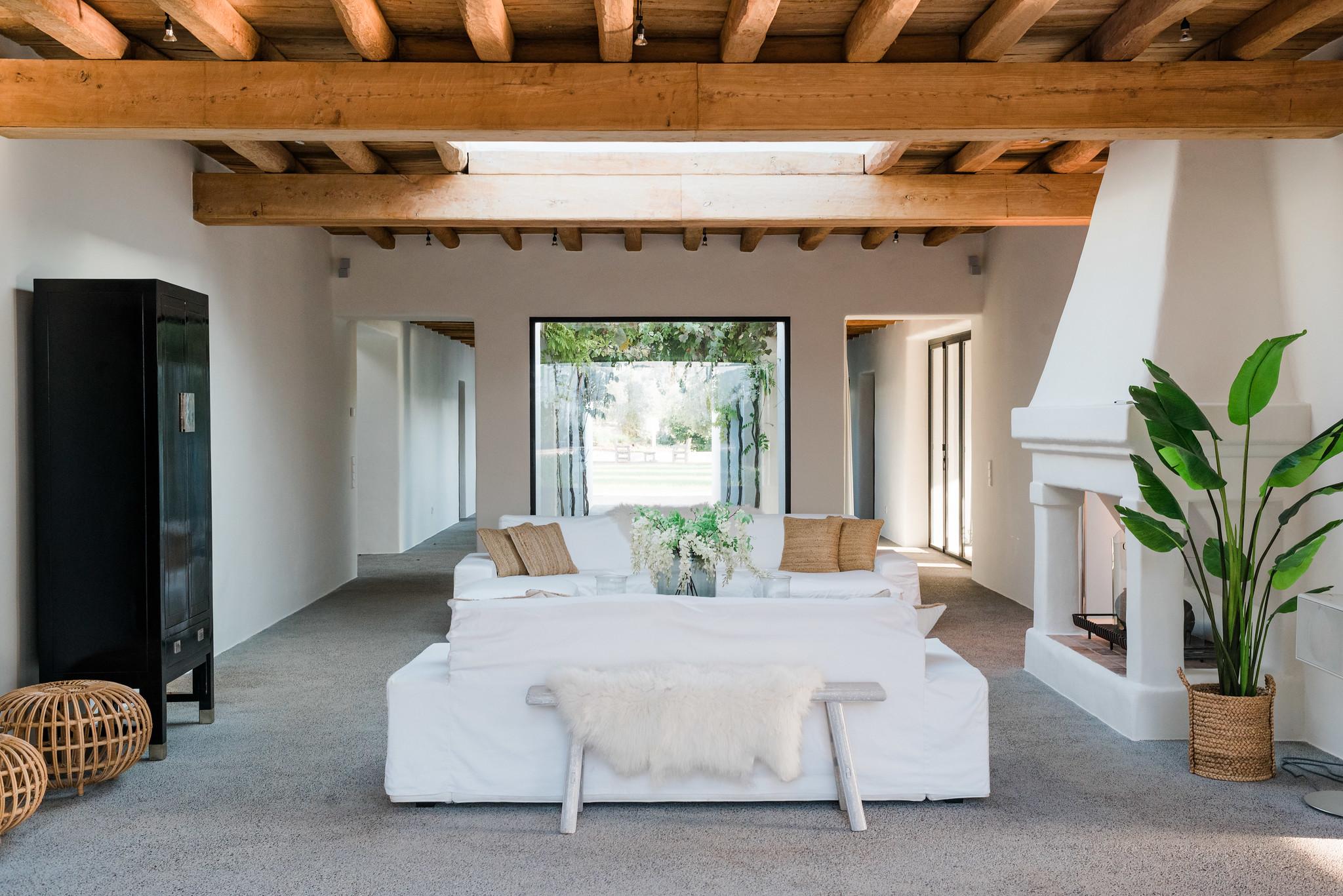 https://www.white-ibiza.com/wp-content/uploads/2020/05/white-ibiza-villas-can-terra-living-room.jpg