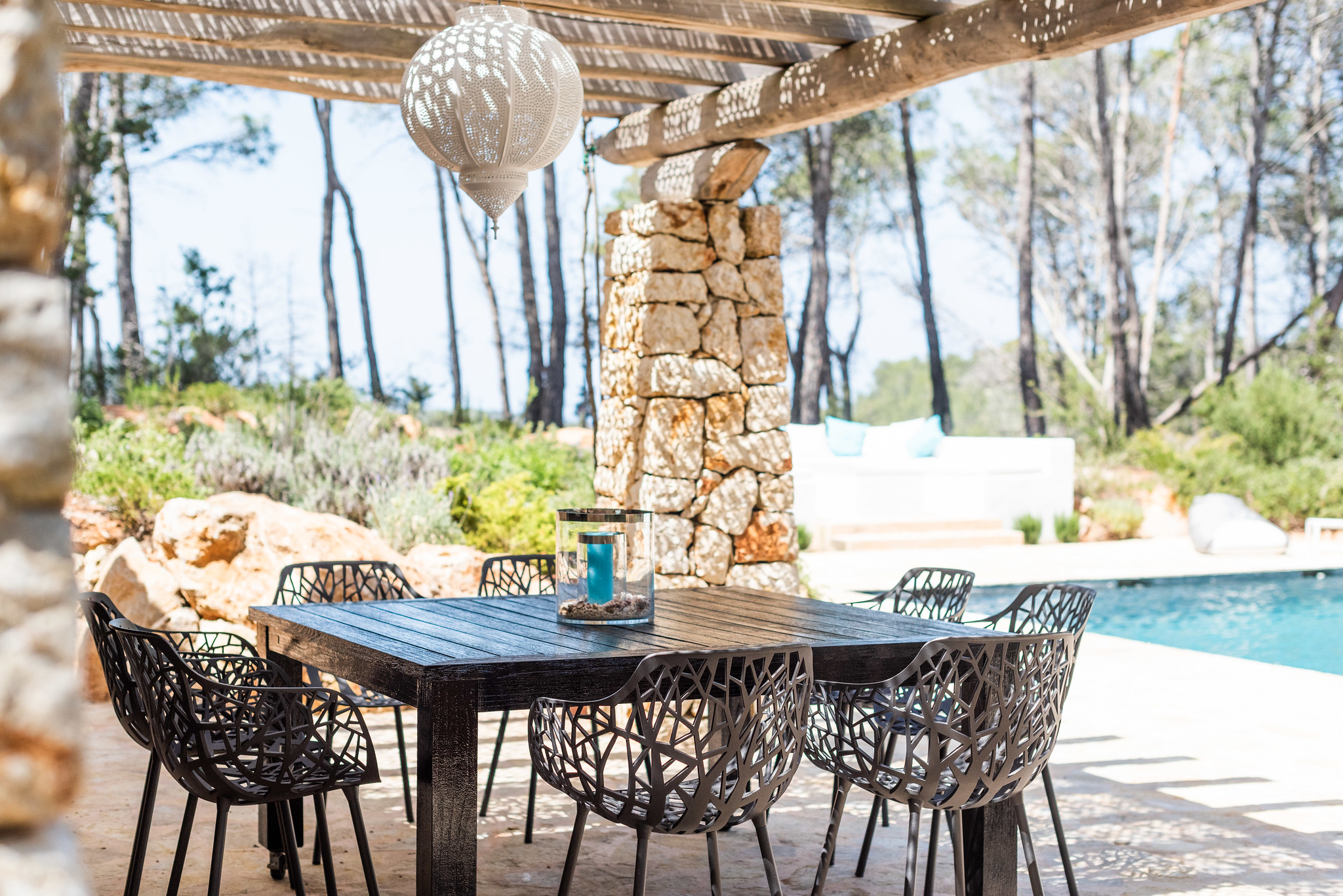 https://www.white-ibiza.com/wp-content/uploads/2020/05/white-ibiza-villas-can-terra-poolside-dining.jpg