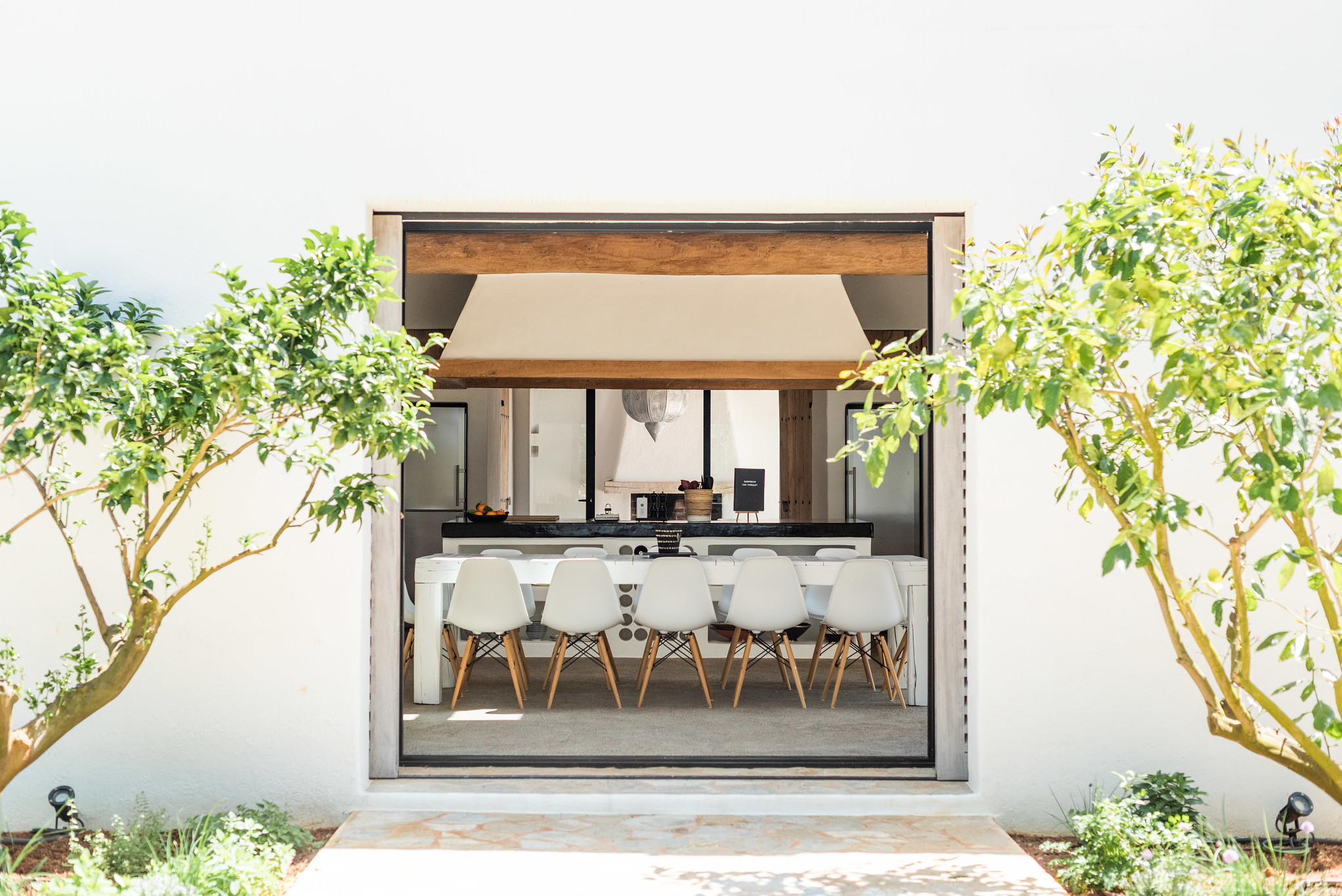 https://www.white-ibiza.com/wp-content/uploads/2020/05/white-ibiza-villas-can-terra-view-inside.jpg