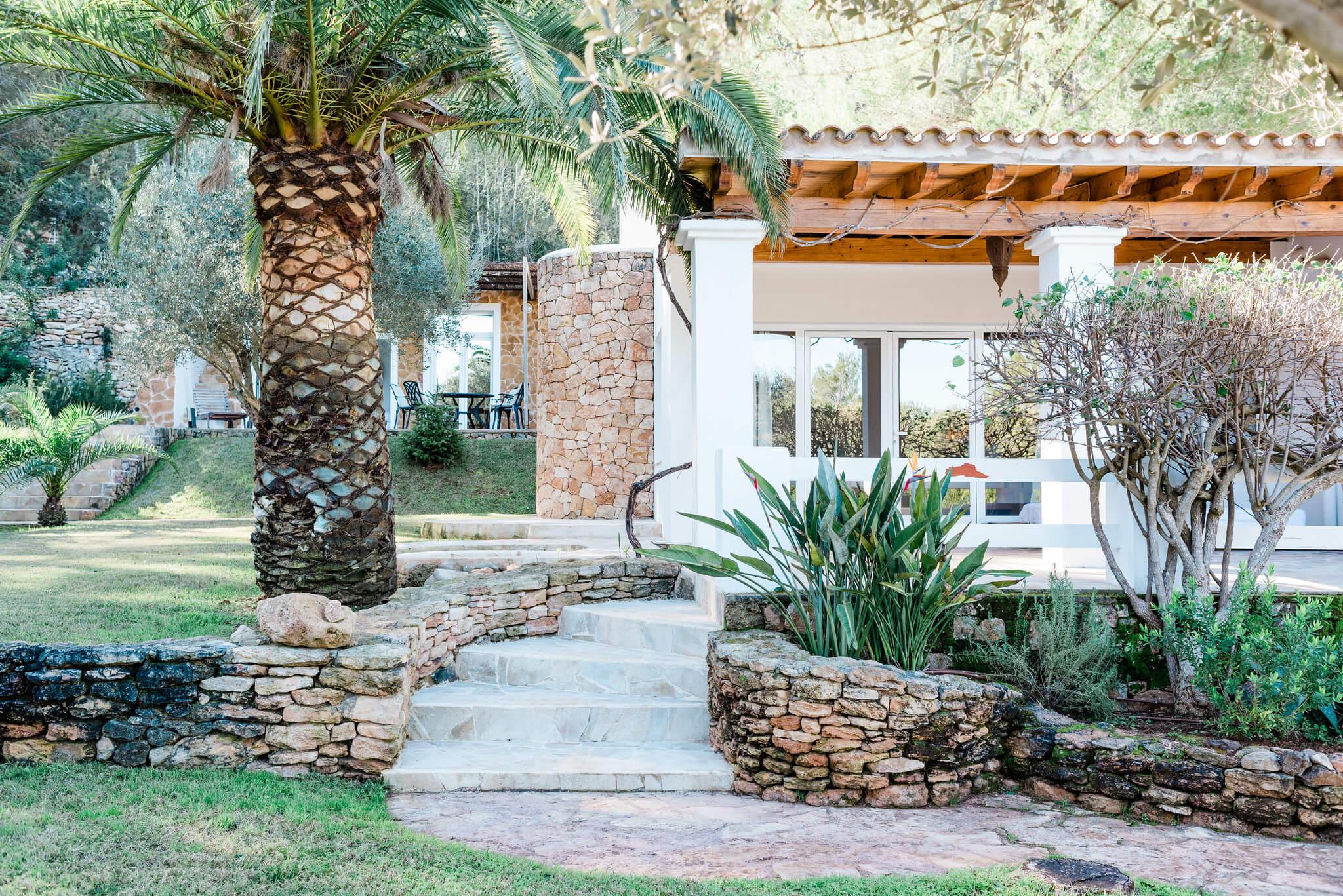 https://www.white-ibiza.com/wp-content/uploads/2020/05/white-ibiza-villas-can-verde-exterior-outside-master.jpg