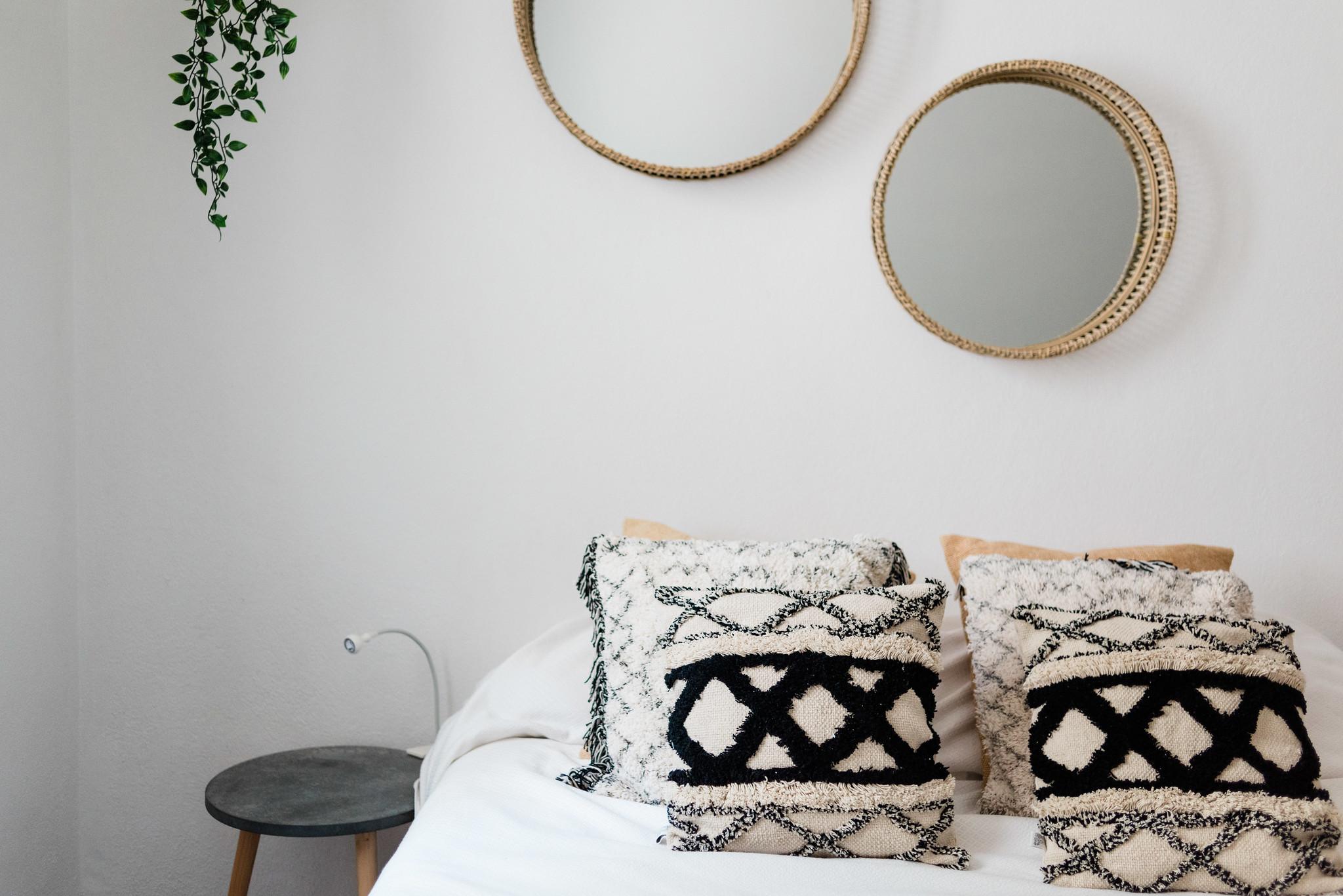 https://www.white-ibiza.com/wp-content/uploads/2020/05/white-ibiza-villas-can-verde-interior-bedroom2.jpg
