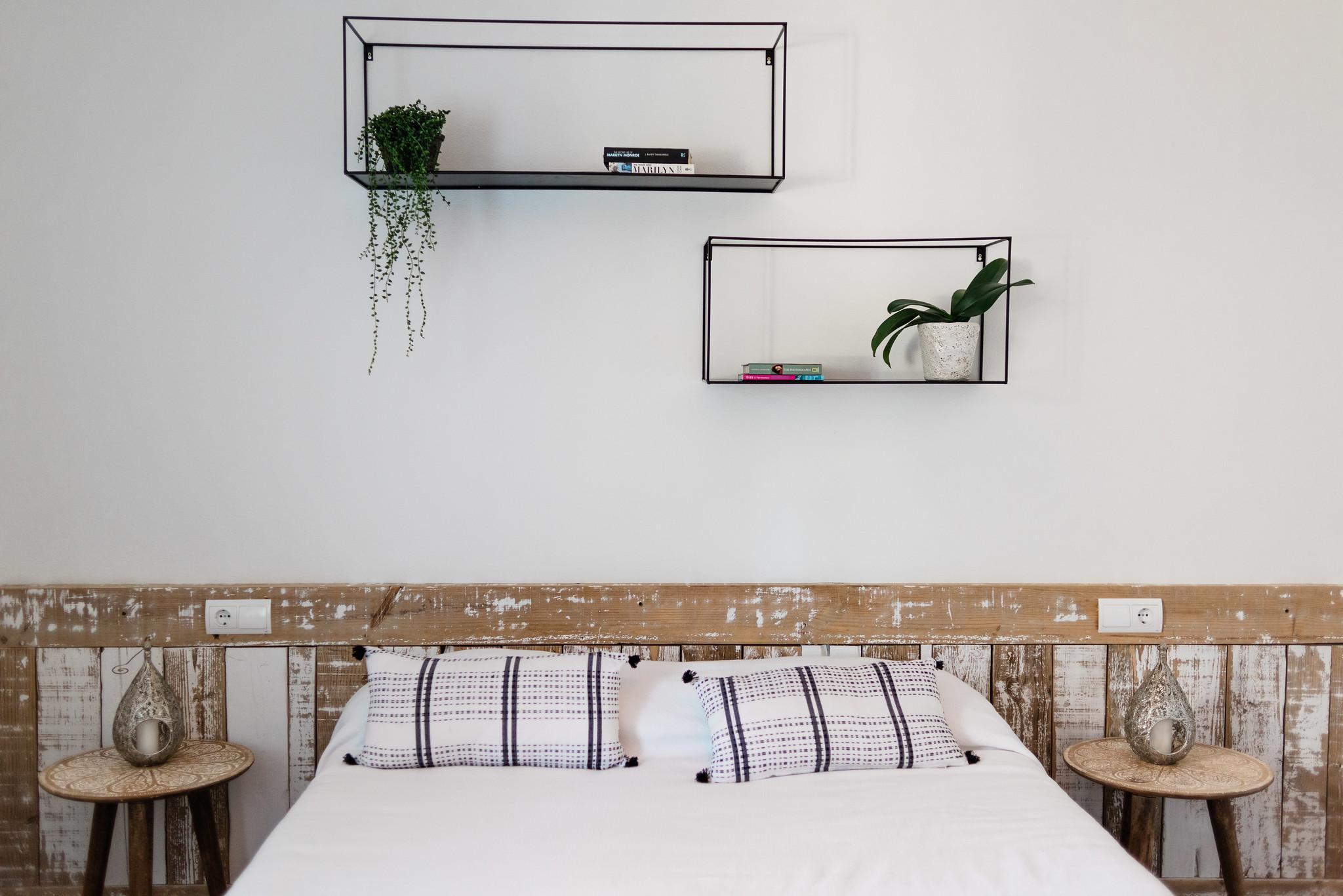 https://www.white-ibiza.com/wp-content/uploads/2020/05/white-ibiza-villas-can-verde-interior-bedroom4.jpg