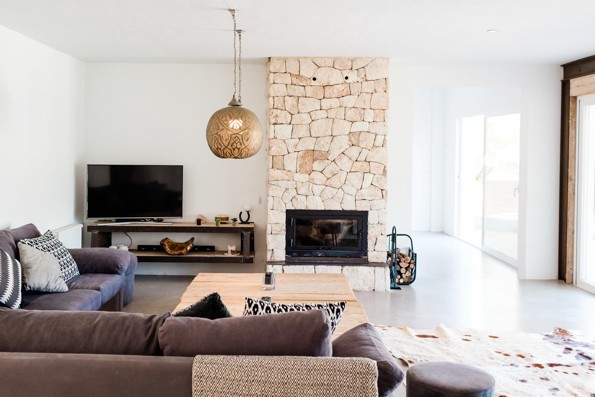 https://www.white-ibiza.com/wp-content/uploads/2020/05/white-ibiza-villas-can-verde-interior-living-room2.jpg