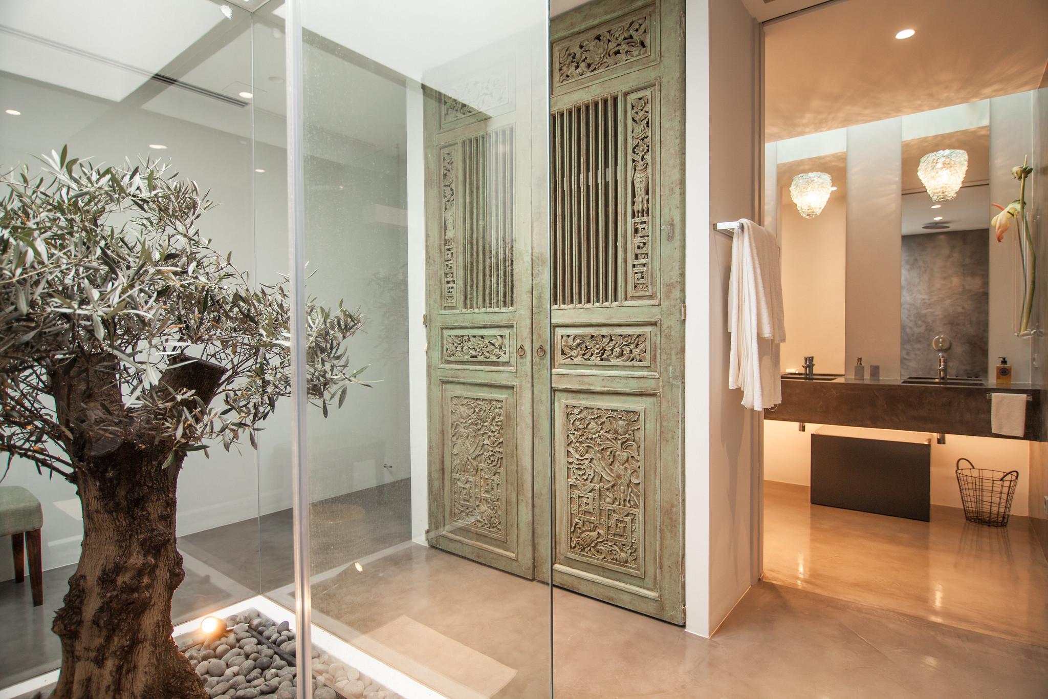 https://www.white-ibiza.com/wp-content/uploads/2020/05/white-ibiza-villas-can-zama-bathroom-one.jpg