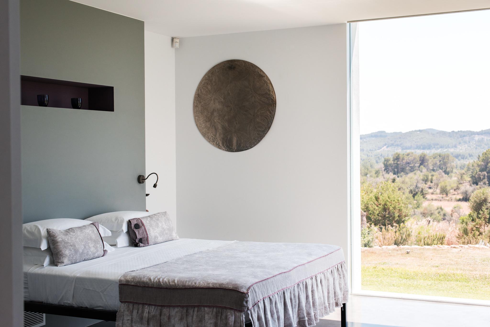https://www.white-ibiza.com/wp-content/uploads/2020/05/white-ibiza-villas-can-zama-bedroom-three-double.jpg