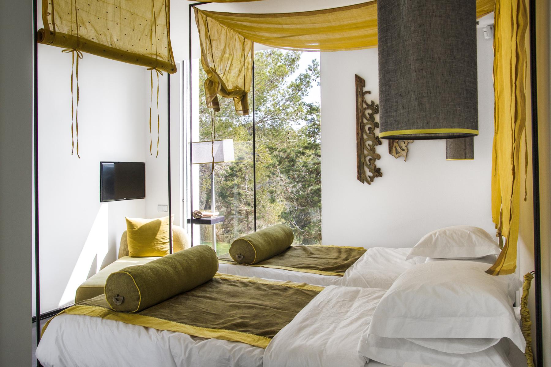 https://www.white-ibiza.com/wp-content/uploads/2020/05/white-ibiza-villas-can-zama-bedroom-two-1.jpg