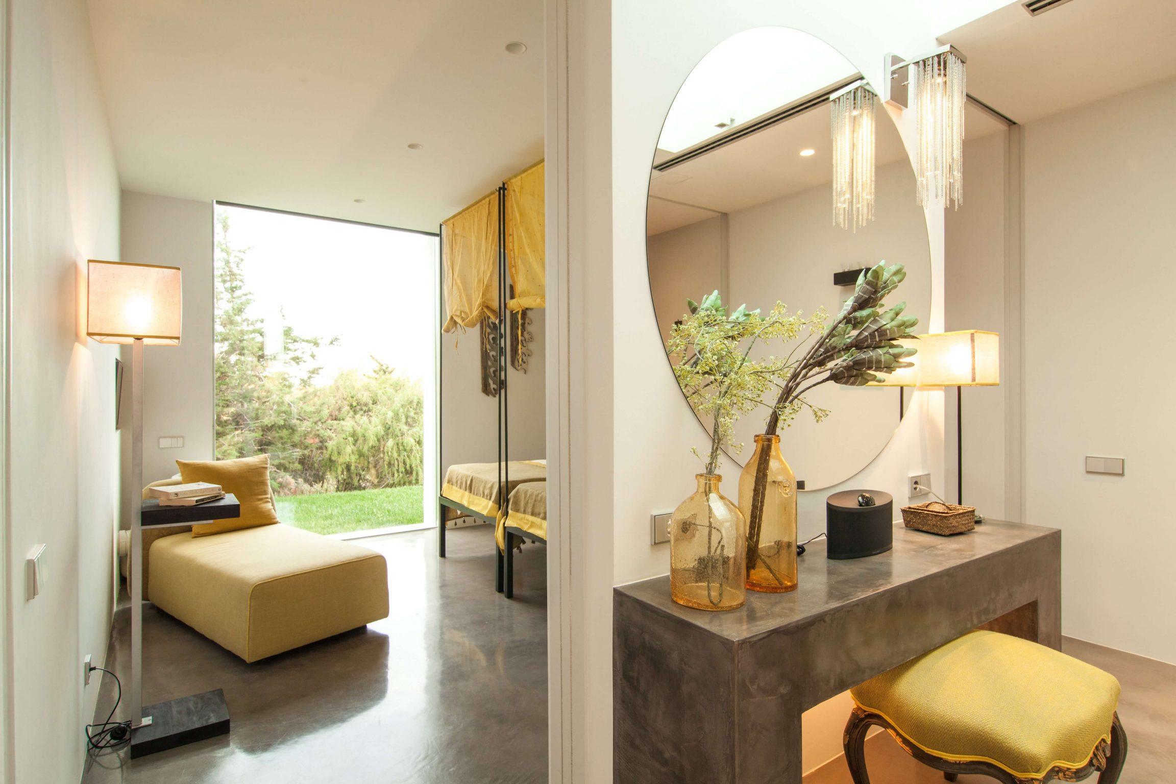 https://www.white-ibiza.com/wp-content/uploads/2020/05/white-ibiza-villas-can-zama-bedroom-two-dressing-room-2304x1536.jpg