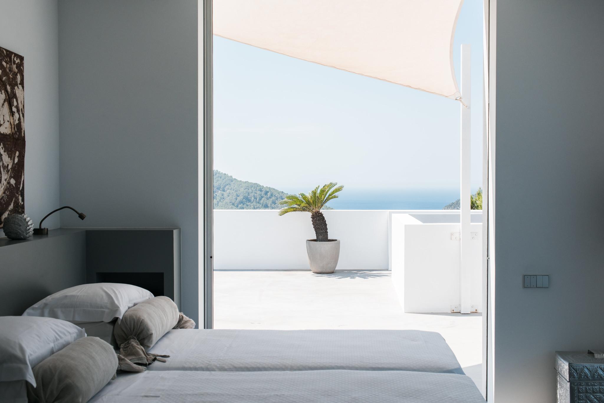 https://www.white-ibiza.com/wp-content/uploads/2020/05/white-ibiza-villas-can-zama-bedroom-two.jpg