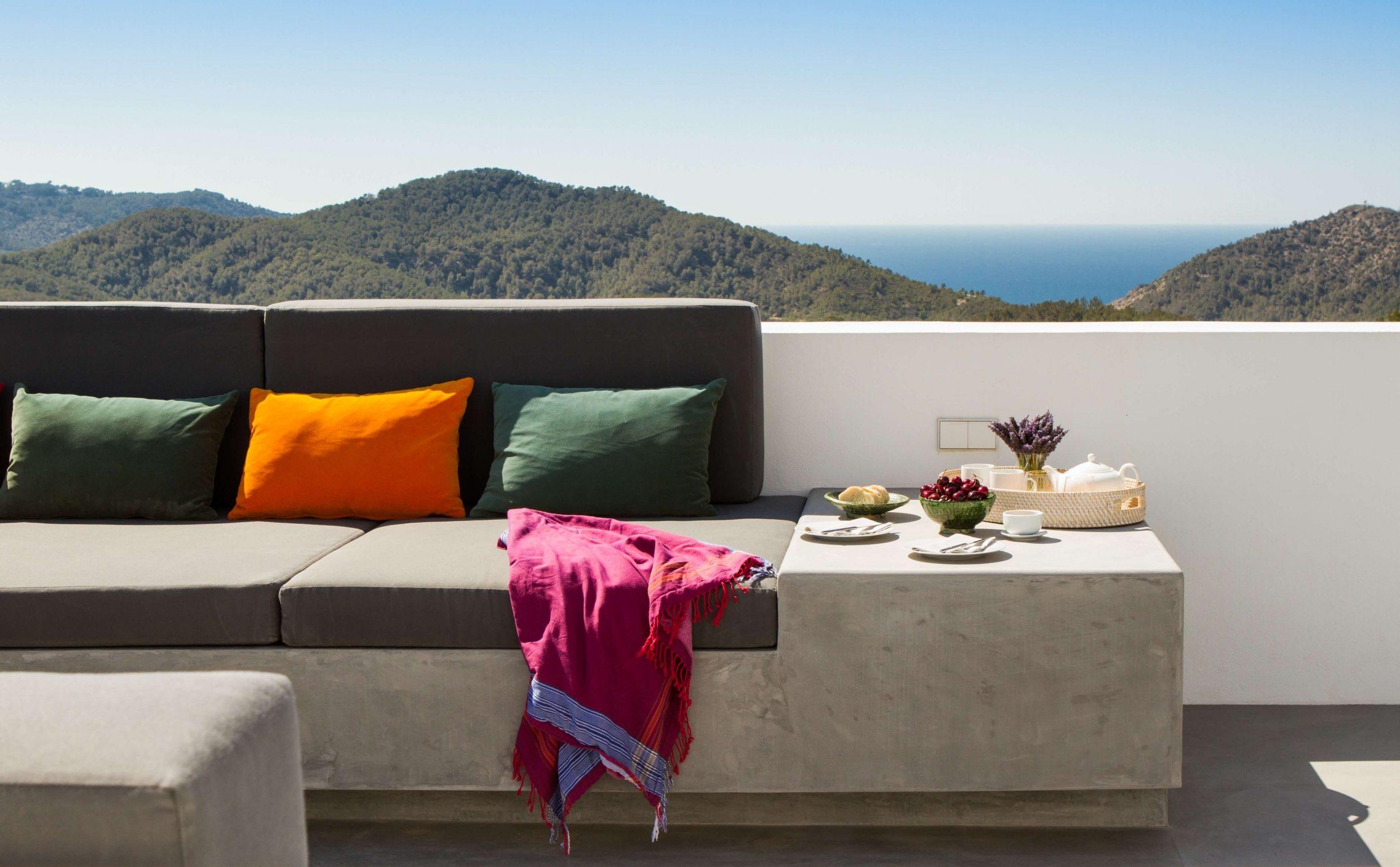 https://www.white-ibiza.com/wp-content/uploads/2020/05/white-ibiza-villas-can-zama-breakfast-on-roof-terrace-2478x1536.jpg
