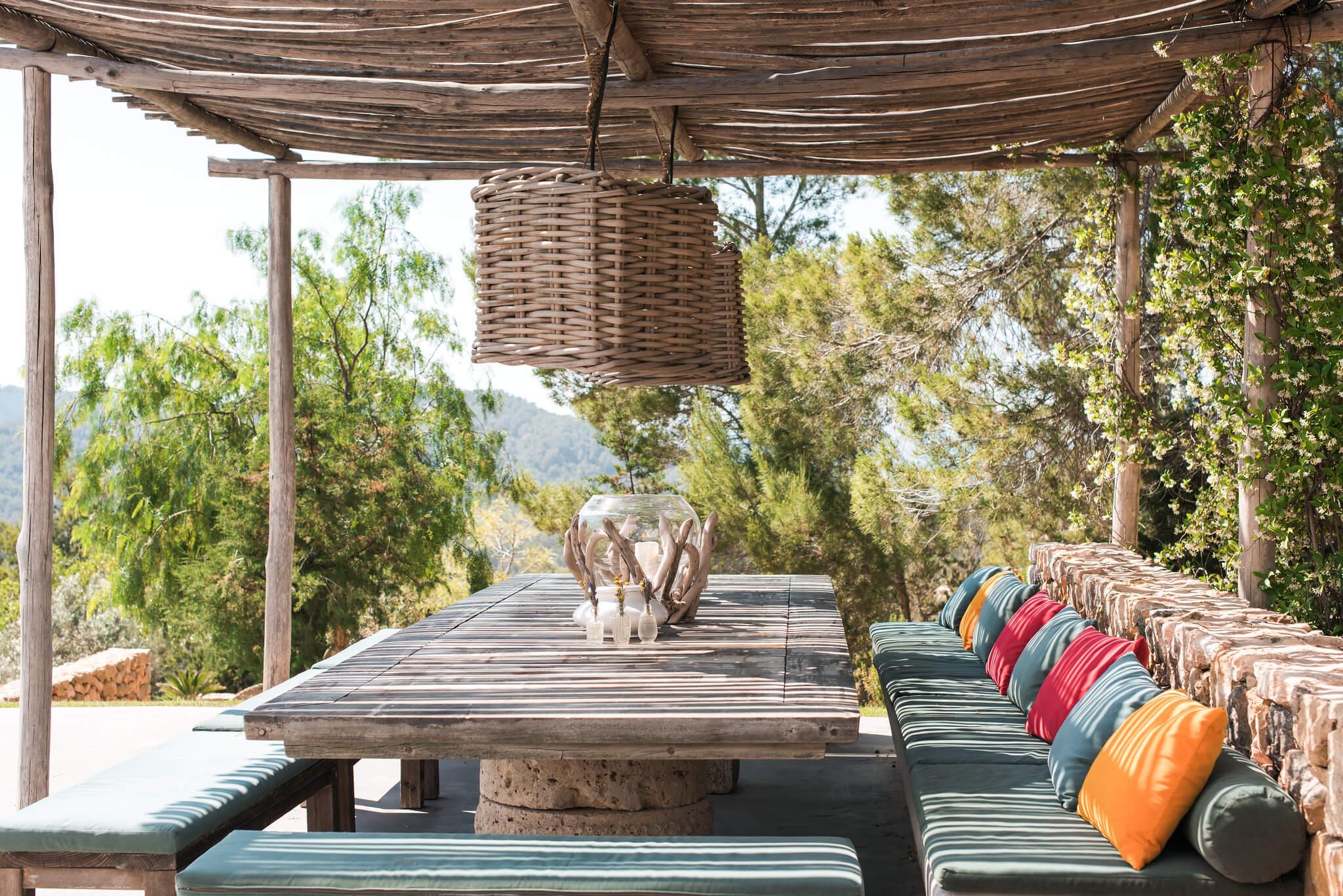 https://www.white-ibiza.com/wp-content/uploads/2020/05/white-ibiza-villas-can-zama-outside-dining-two.jpg