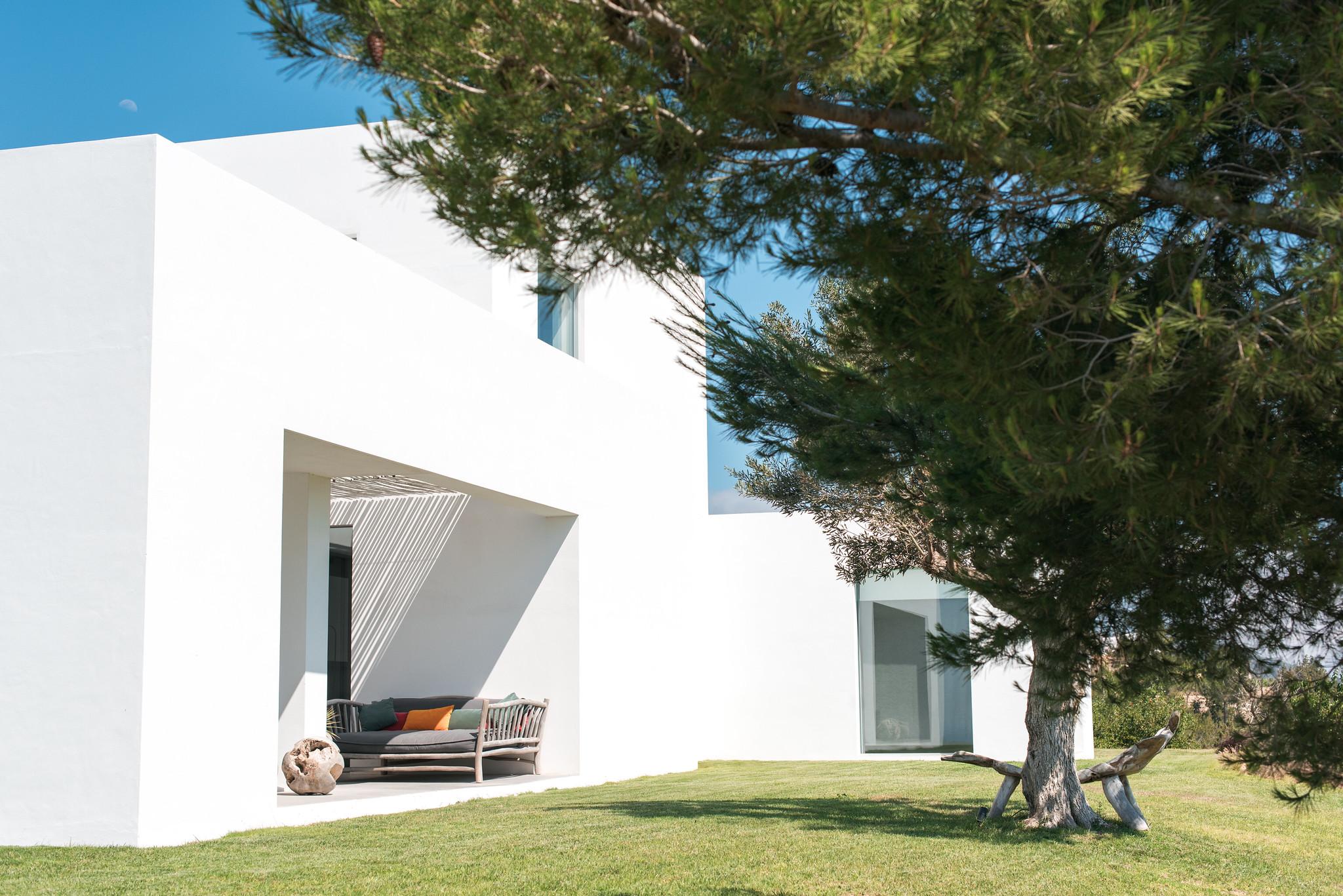 https://www.white-ibiza.com/wp-content/uploads/2020/05/white-ibiza-villas-can-zama-side.jpg