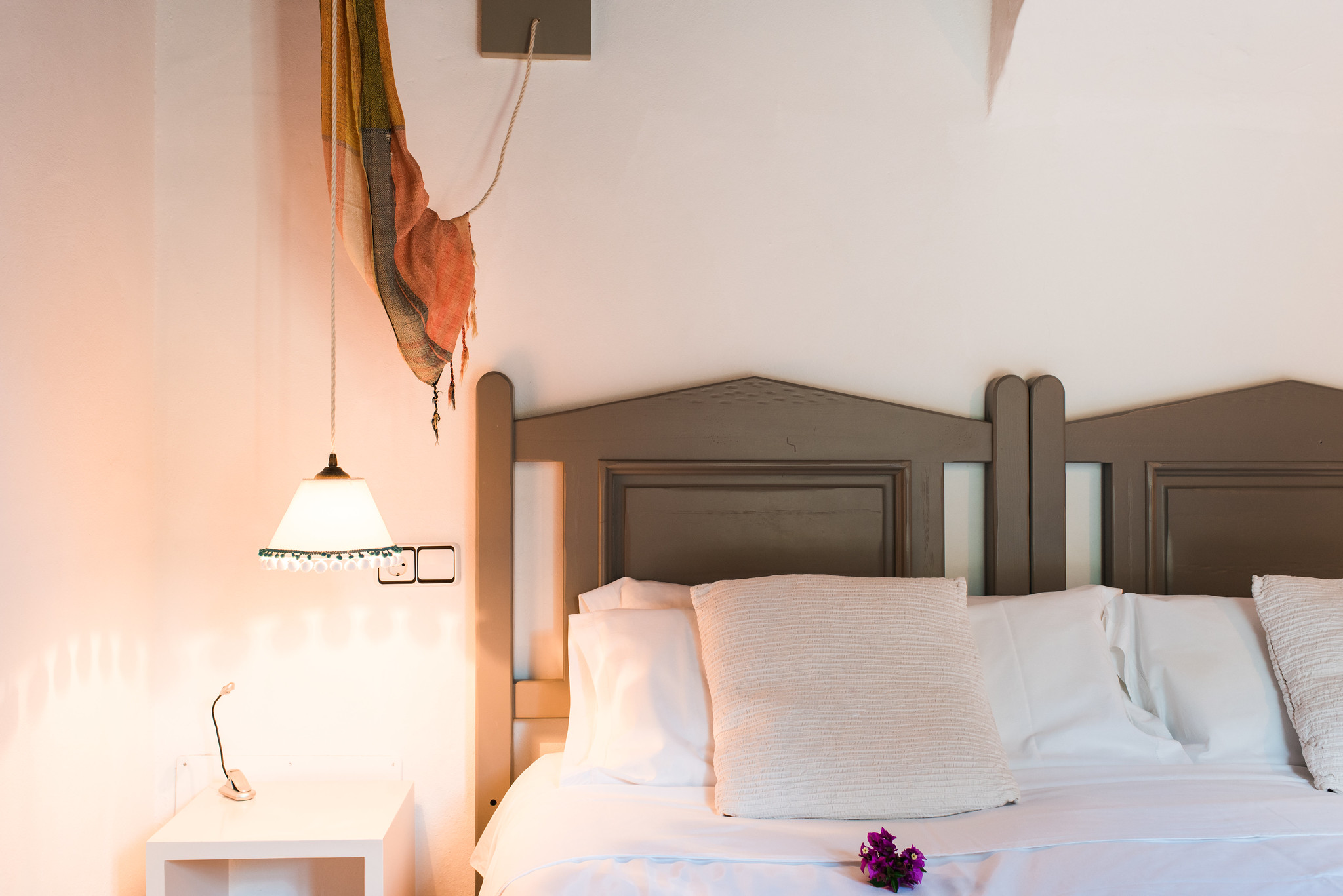 https://www.white-ibiza.com/wp-content/uploads/2020/05/white-ibiza-villas-canblay-bedroom2.jpg