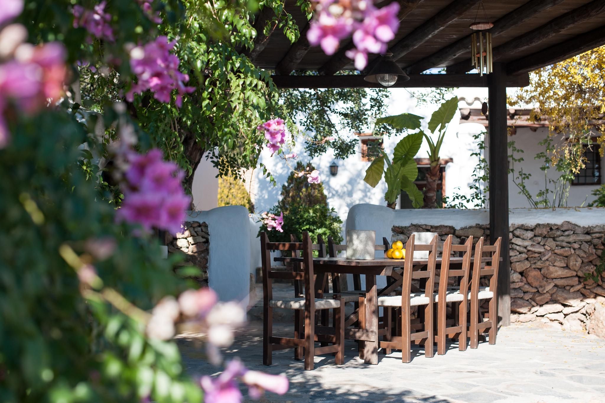 https://www.white-ibiza.com/wp-content/uploads/2020/05/white-ibiza-villas-canblay-outside-dining.jpg
