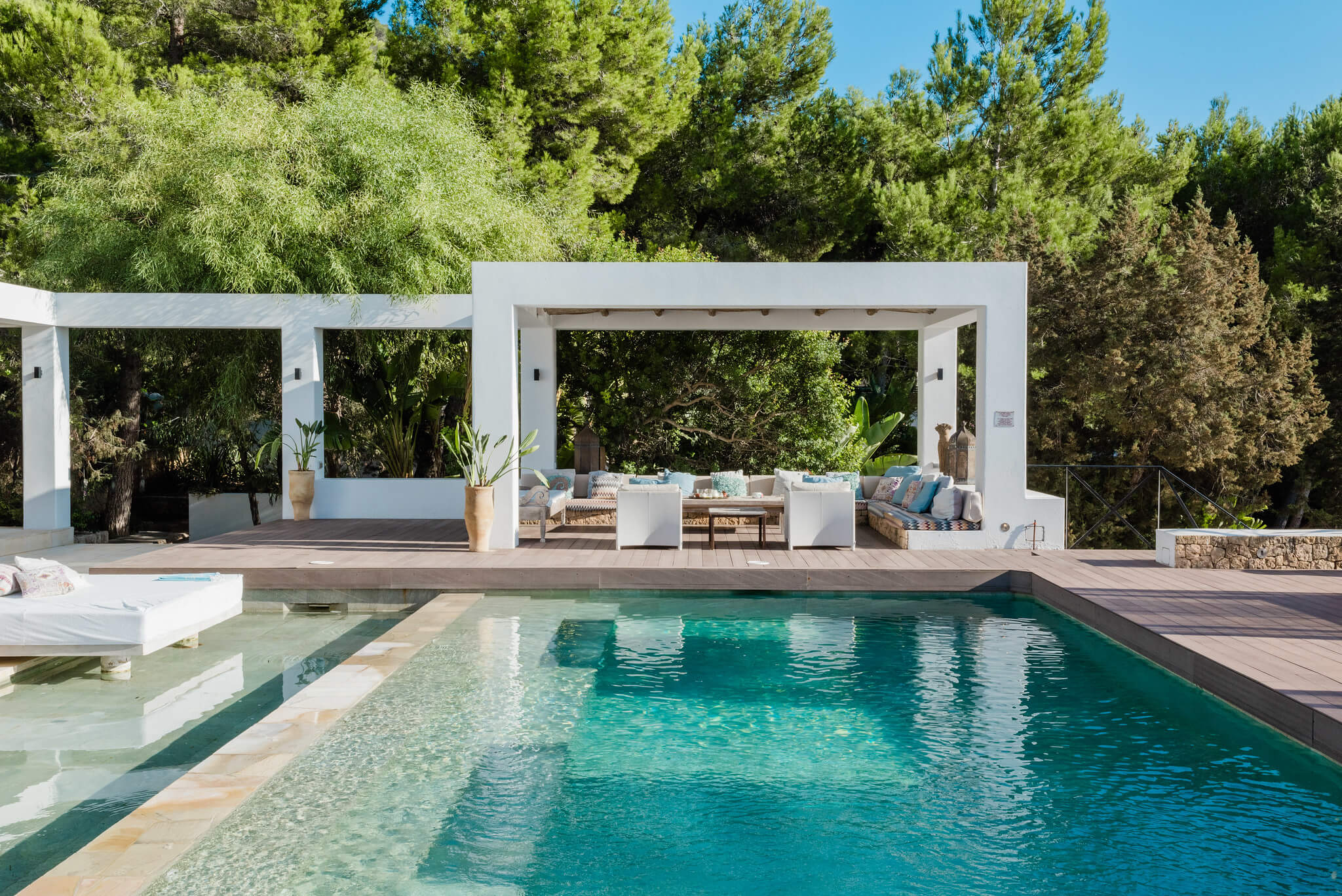 https://www.white-ibiza.com/wp-content/uploads/2020/05/white-ibiza-villas-casa-amalia-exterior-looking-across.jpg