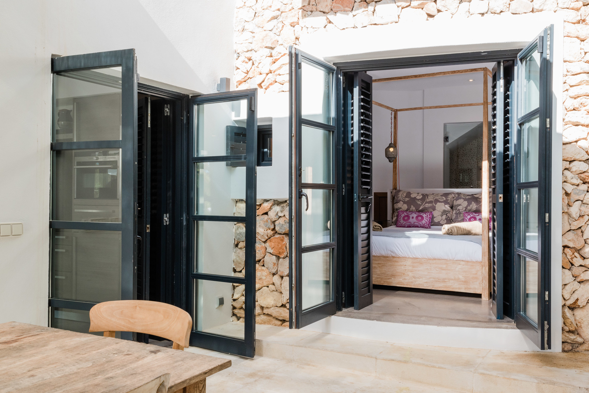 https://www.white-ibiza.com/wp-content/uploads/2020/05/white-ibiza-villas-casa-amalia-exterior-table.jpg