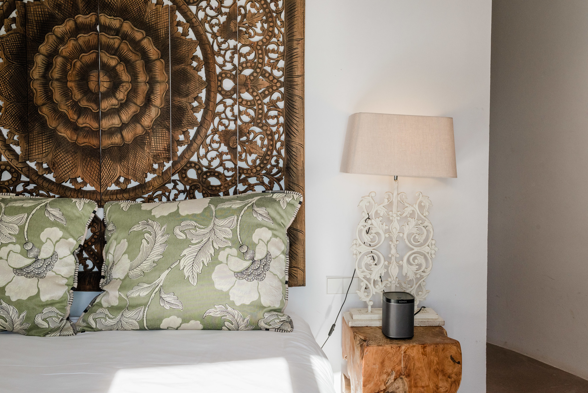 https://www.white-ibiza.com/wp-content/uploads/2020/05/white-ibiza-villas-casa-amalia-interior-bedroom5.jpg