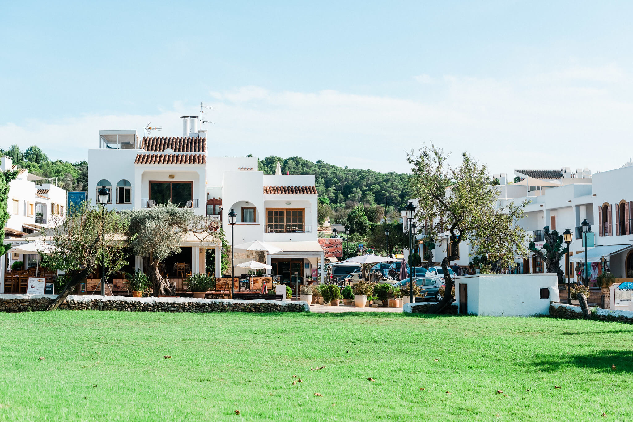 https://www.white-ibiza.com/wp-content/uploads/2020/05/white-ibiza-villas-where-to-buy-san-carlos-01.jpg