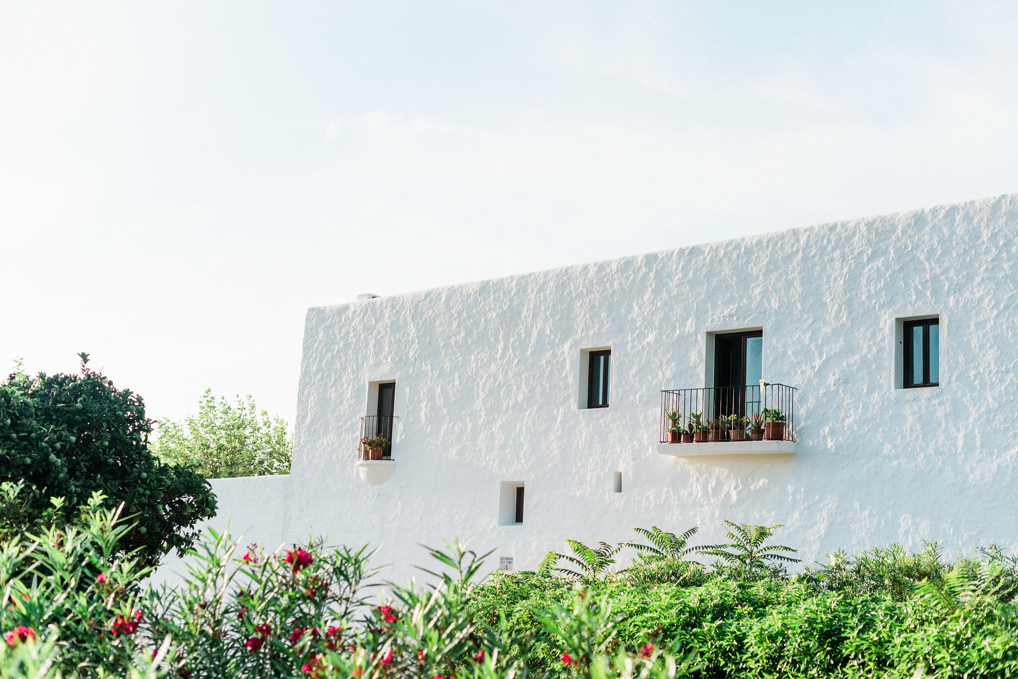 https://www.white-ibiza.com/wp-content/uploads/2020/05/white-ibiza-villas-where-to-buy-san-carlos-05.jpg